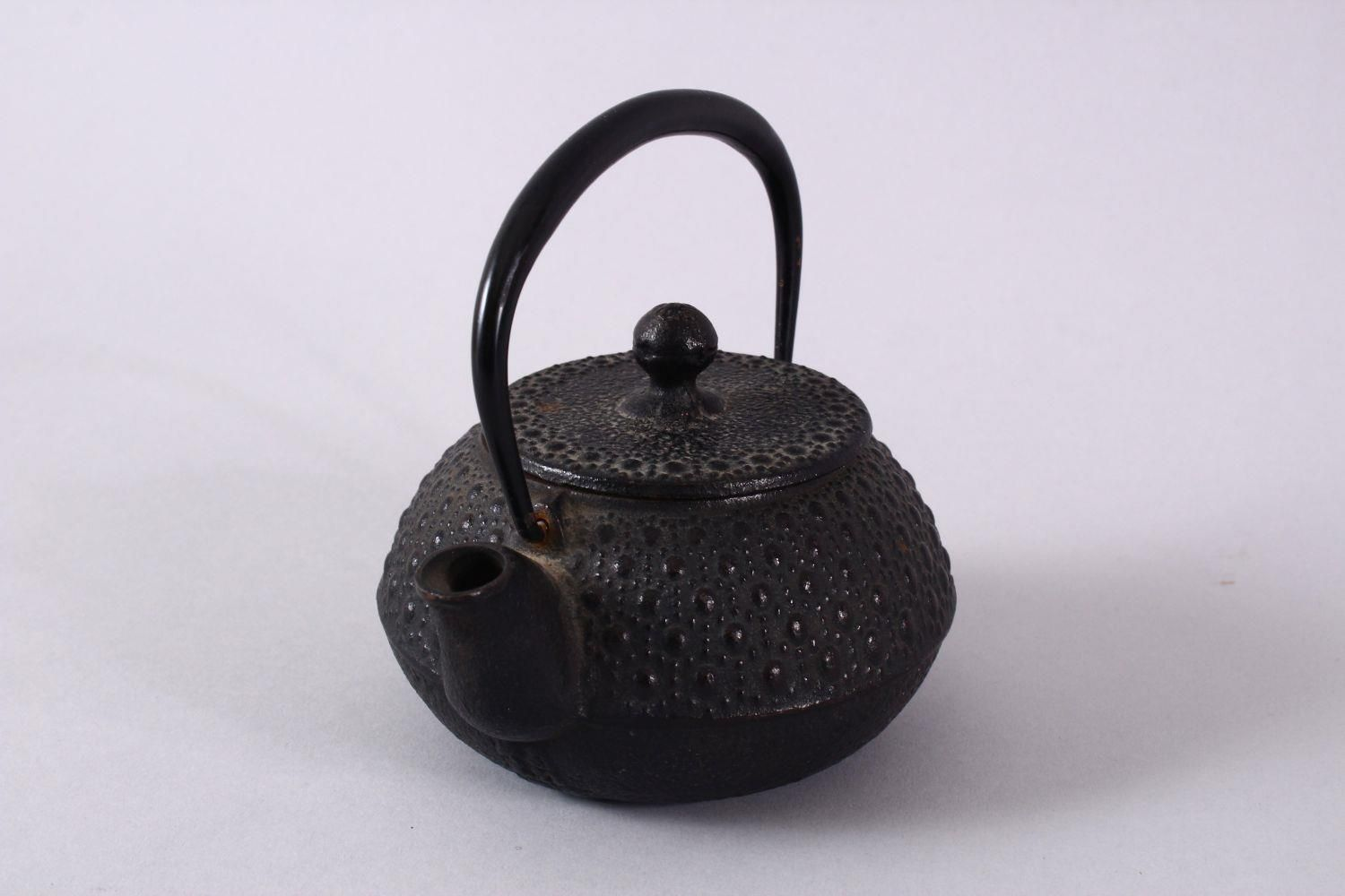 A JAPANESE IRON / METAL MOULDED TEAPOT & COVER, the body with moulded stud decoration, possibly iron - Image 2 of 5