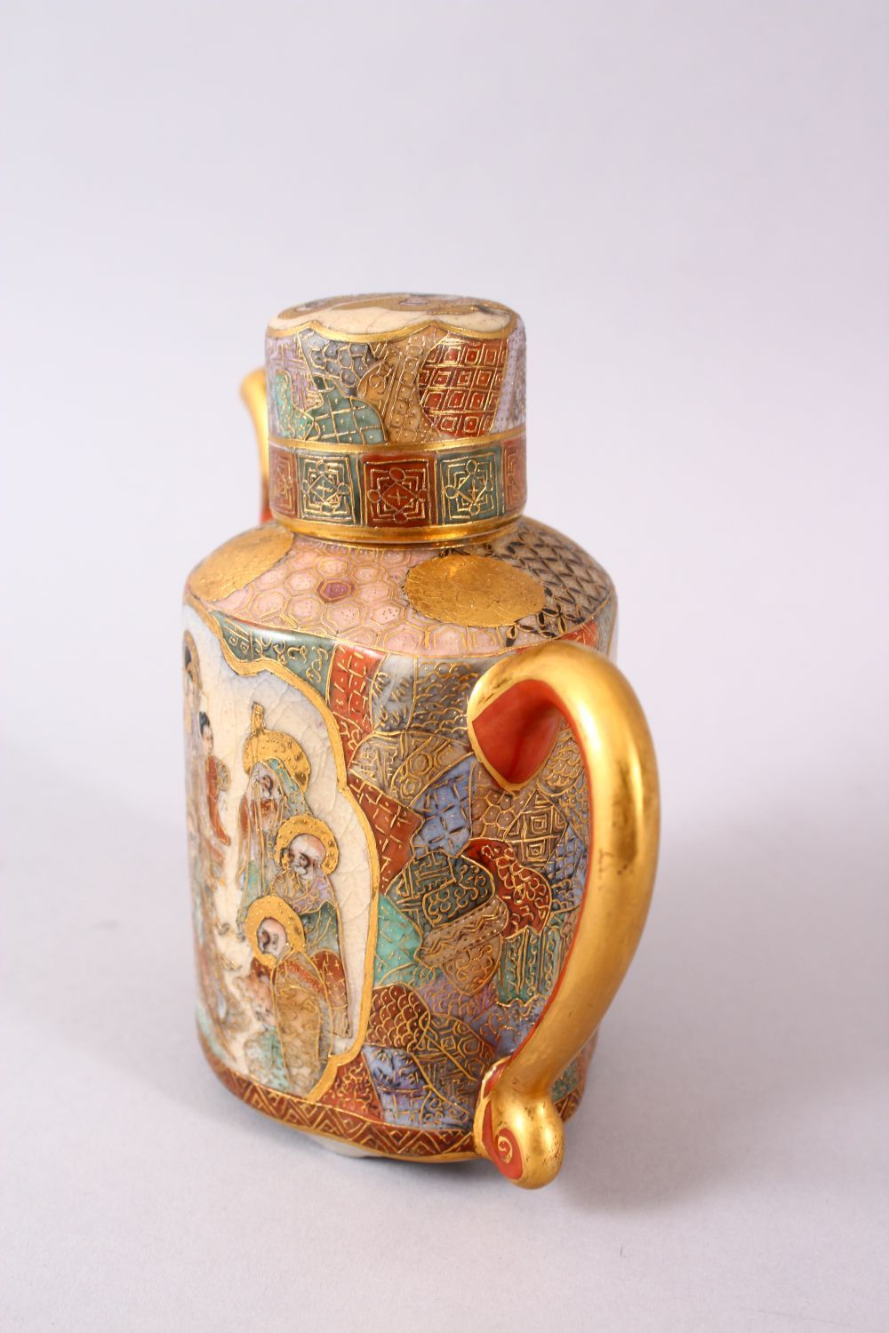 A JAPANESE MEIJI PERIOD SATSUMA TEAPOT & COVER, the body with two panels of immortal figures and - Image 3 of 9