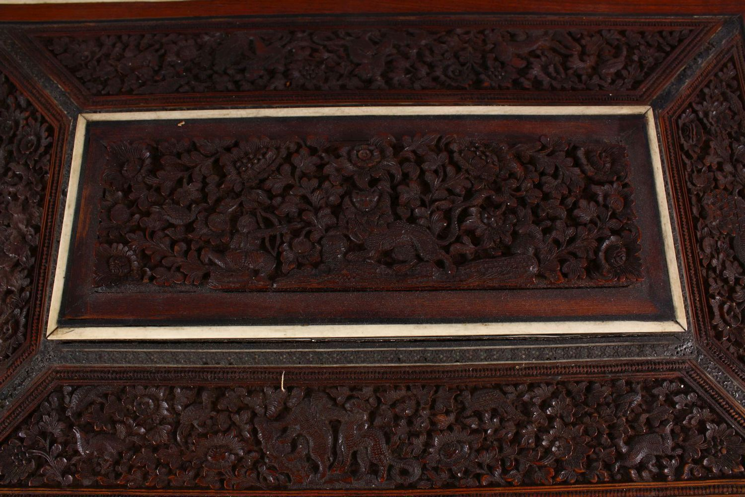 A 19TH CENTURY ANGLO INDIAN INLAID LIDDED SEWING BOX, with carved wood depicting figures and animals - Image 8 of 10