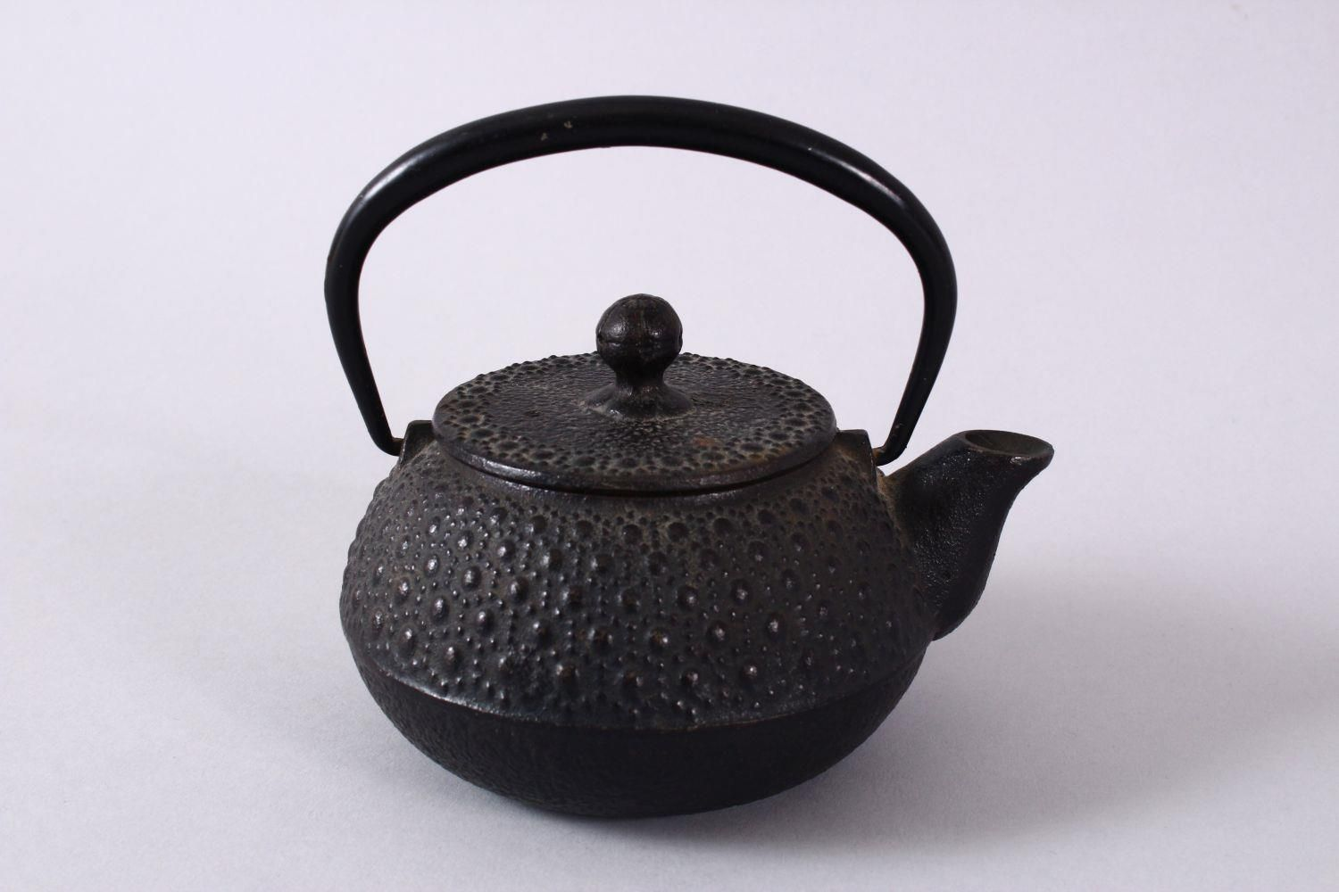 A JAPANESE IRON / METAL MOULDED TEAPOT & COVER, the body with moulded stud decoration, possibly iron - Image 3 of 5