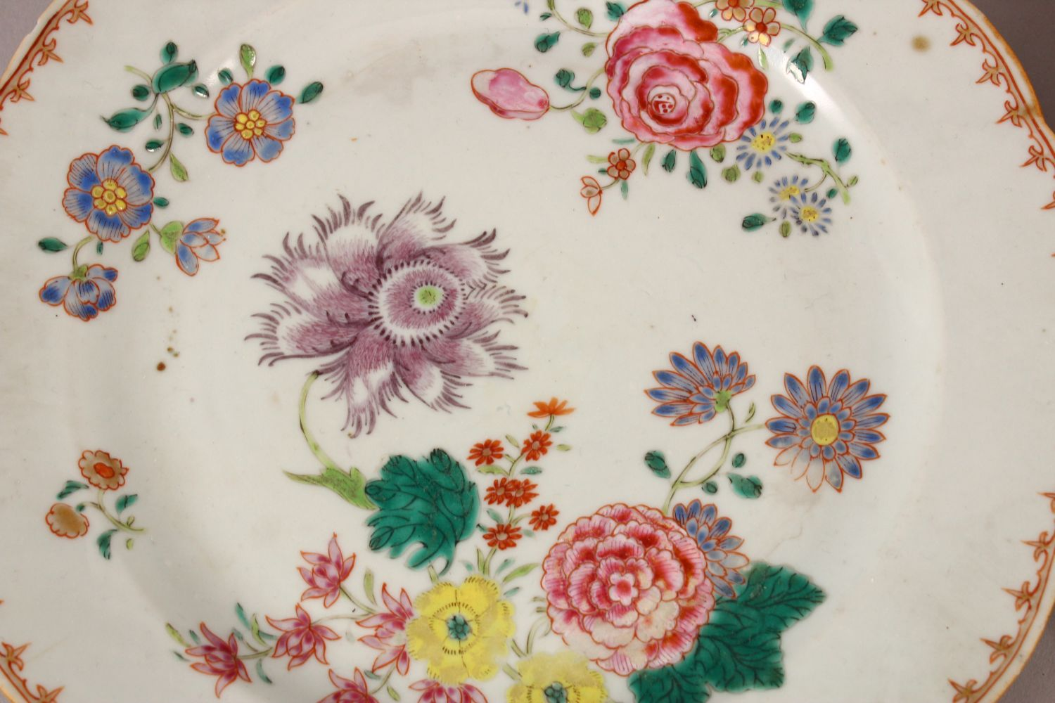 A SET OF FOUR 18TH / 19TH CENTURY CHINESE FAMILLE ROSE PLATES, with floral decoration, 23cm - Image 2 of 6