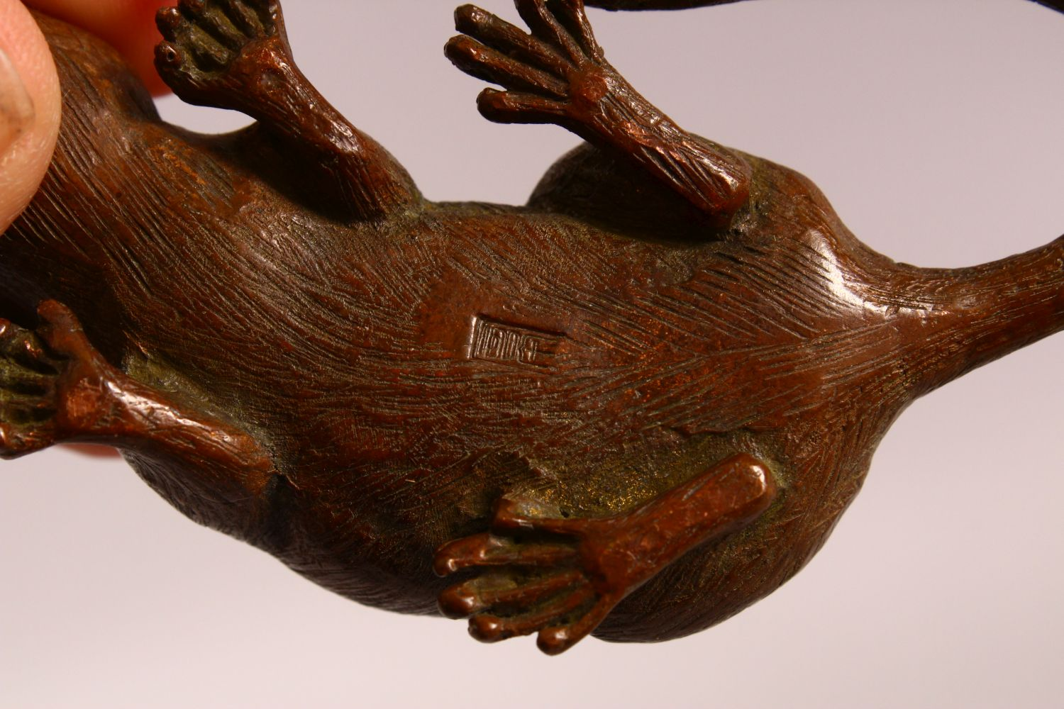A JAPANESE BRONZE FIGURE OF A RAT, the underside with a mark, 9cm - Image 5 of 5