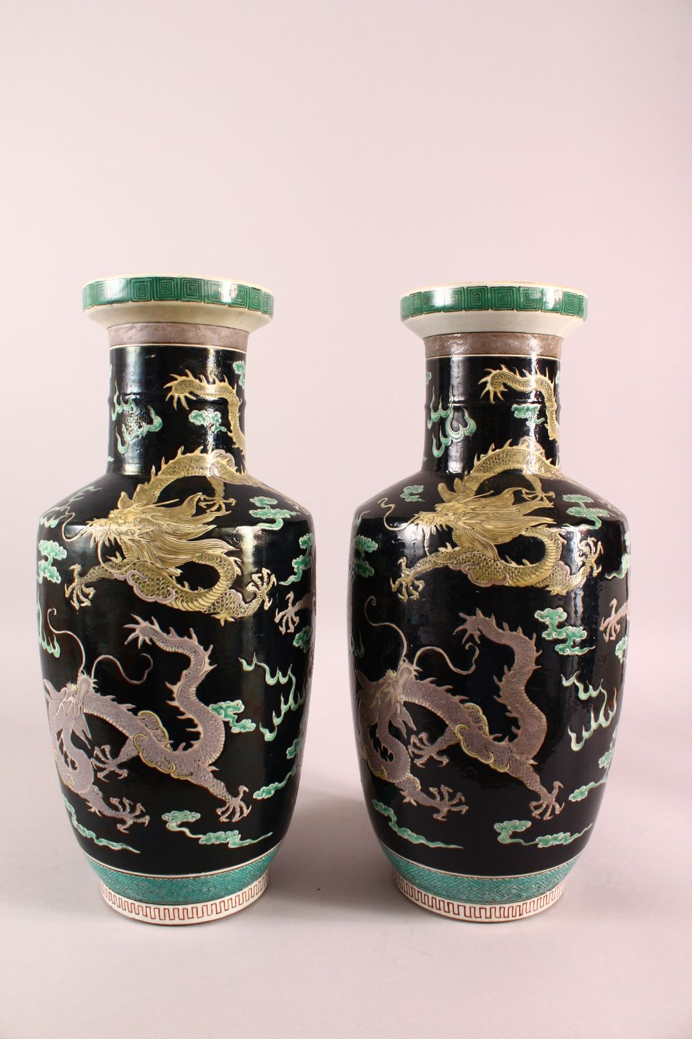 A LARGE PAIR OF CHINESE FAMILLE NOIR PORCELAIN DRAGON VASES, each vase with a black ground depicting - Image 5 of 13