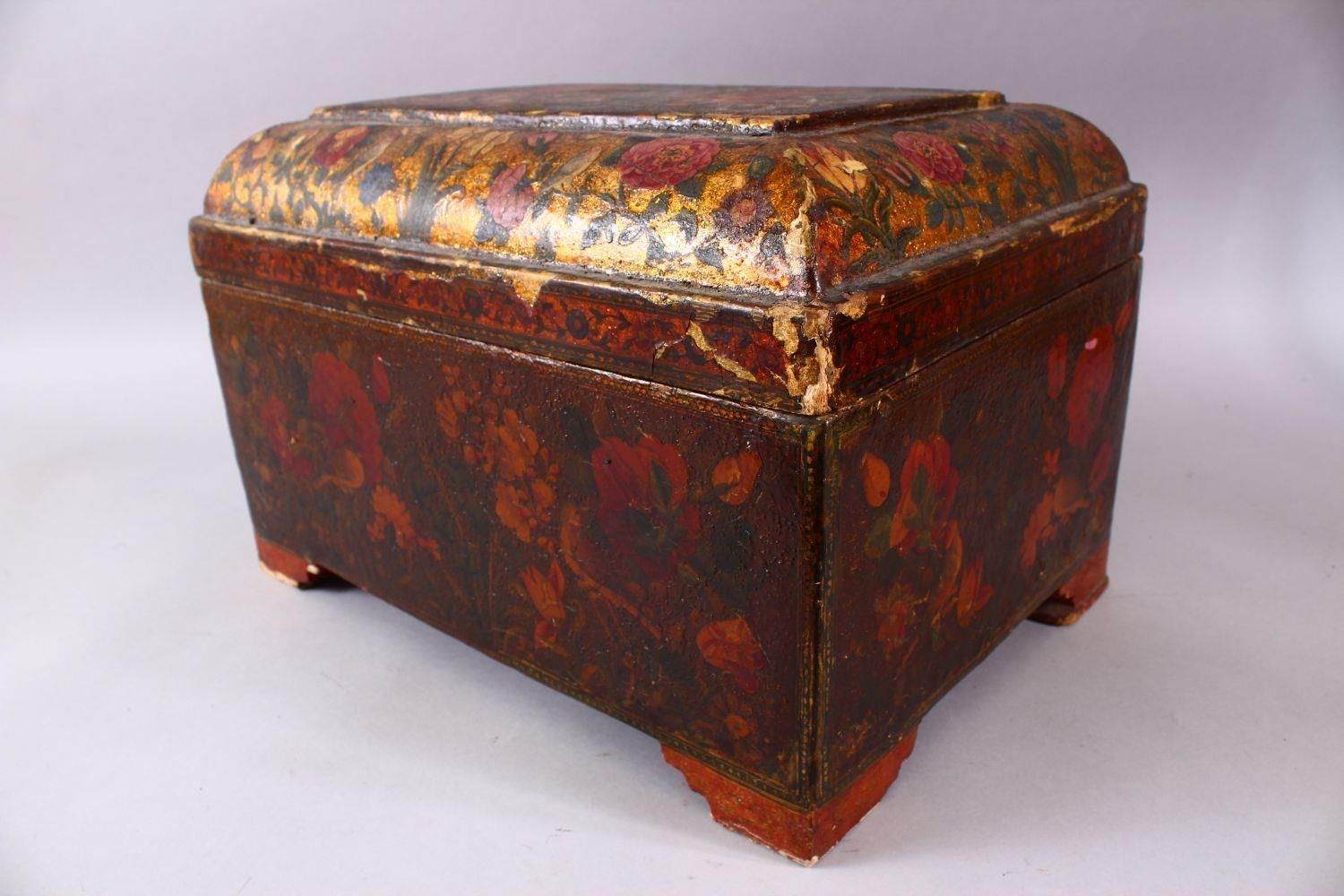 A GOOD PERSIAN QAJAR LACQUER PAINTED LIDDED BOX, decorated to the exterior with birds and detailed - Image 8 of 15