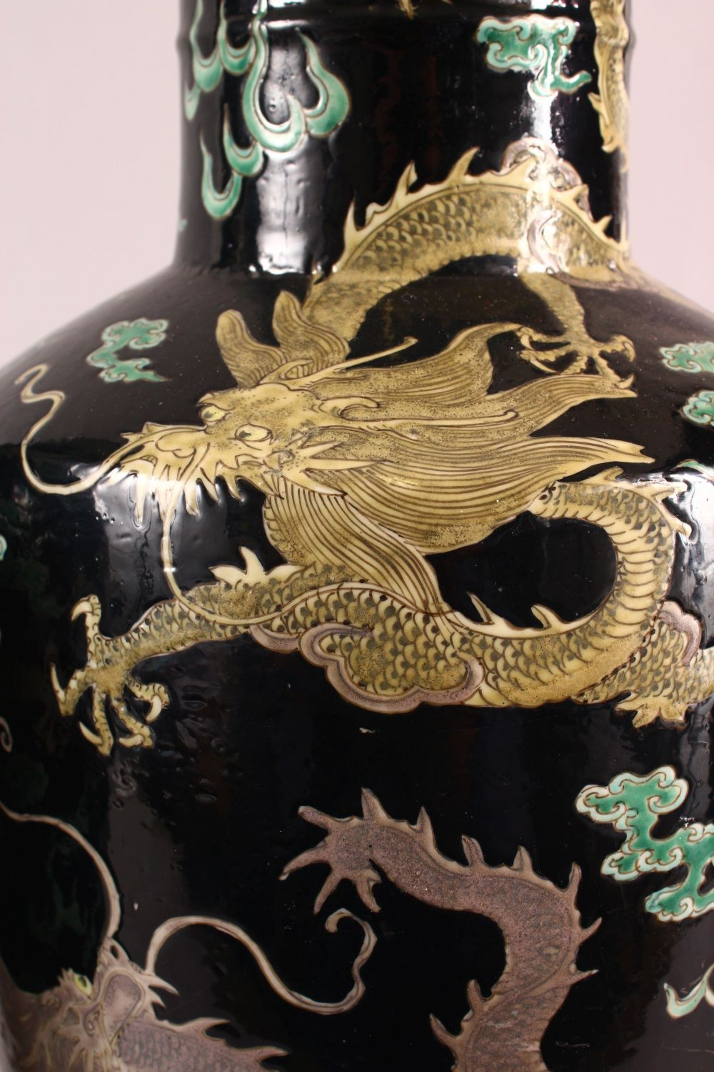 A LARGE PAIR OF CHINESE FAMILLE NOIR PORCELAIN DRAGON VASES, each vase with a black ground depicting - Image 6 of 13