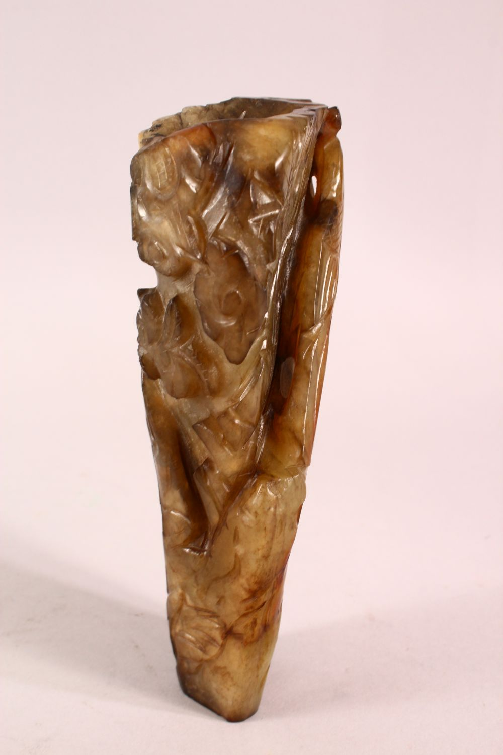 A CHINESE CARVED JADE VASE, carved with figures and foliage, 20.5cm - Image 6 of 8