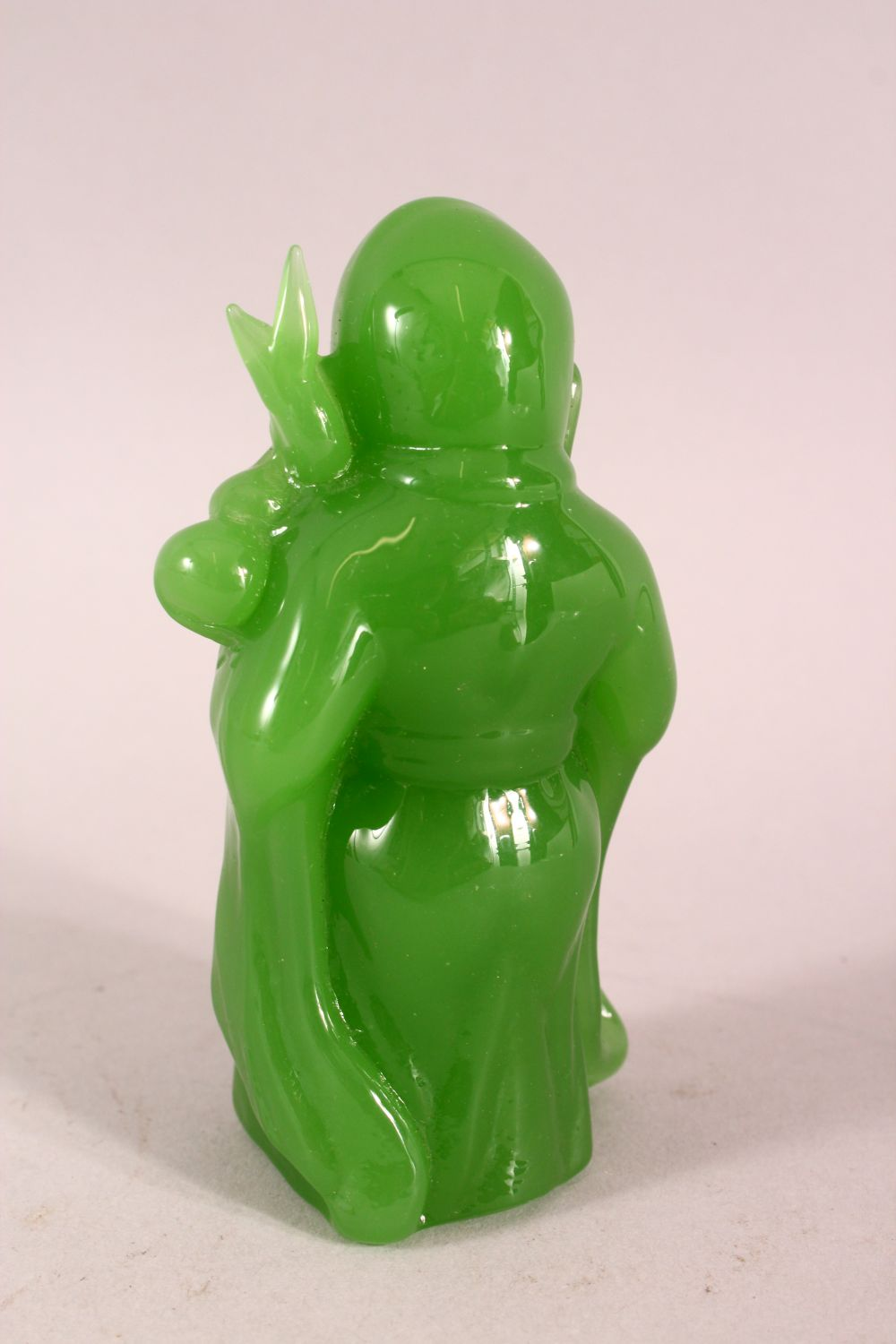 A CHINESE GREEN GLASS FIGURE OF LUOHAN, 10.5cm - Image 4 of 6