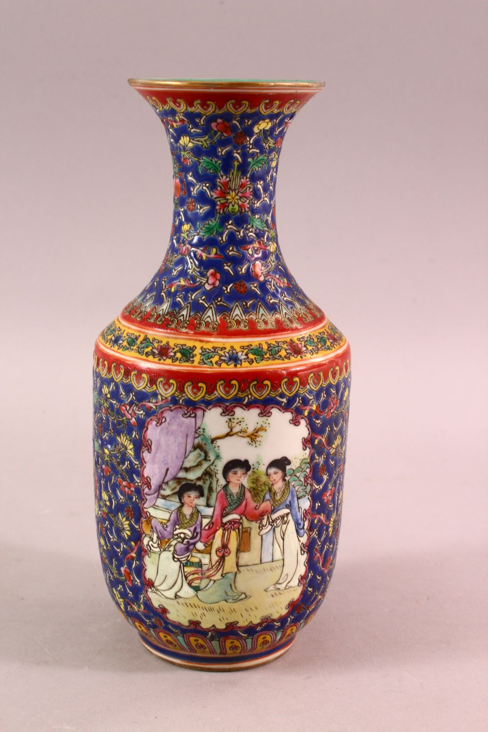 A CHINESE FAMILLE ROSE PORCELAIN VASE, with panels of figures and floral decoration, the base with a - Image 3 of 6