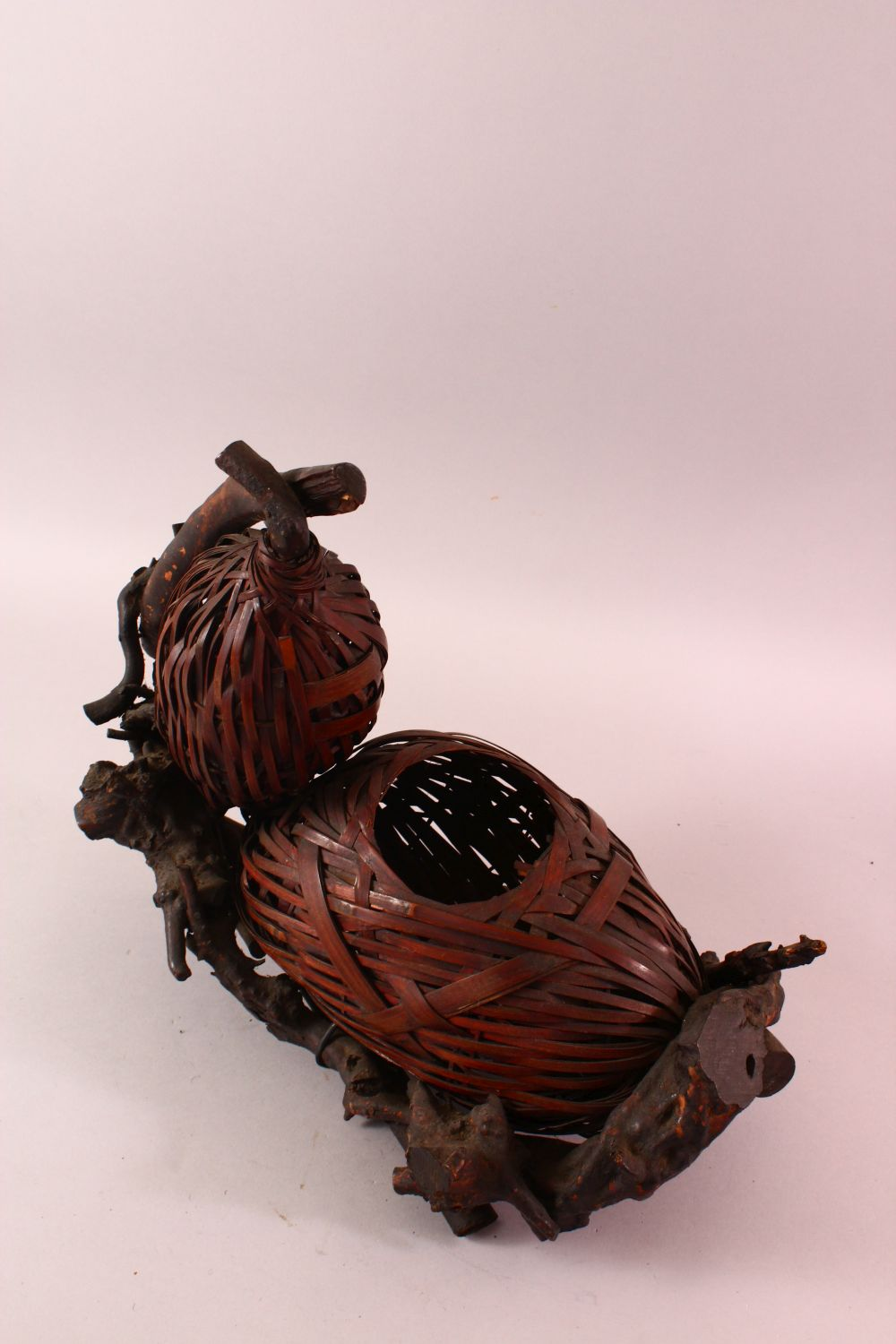 A JAPANESE MEIJI WOVEN DOUBLE GOURD FORMED IKEBANA BASKET, woven in the form of a double gourd, with - Image 2 of 4