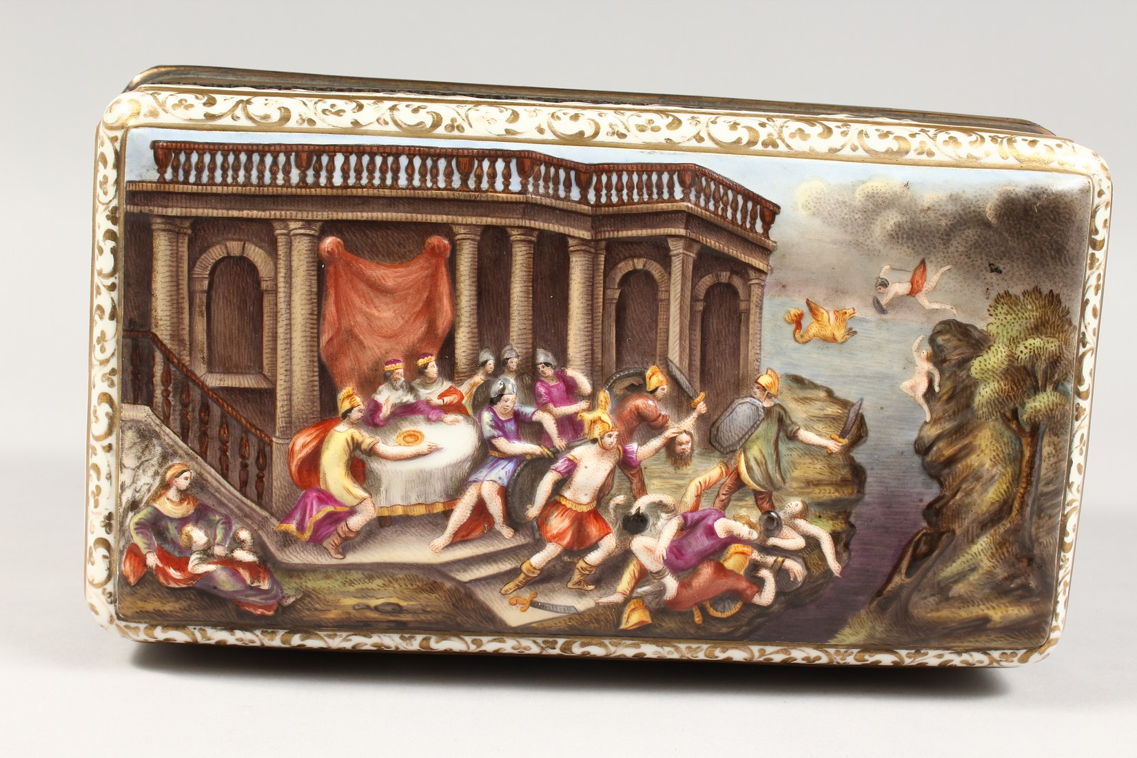 A GOOD CAPODIMONTE CASKET with classical figures in relief 9.5 ins wide. - Image 6 of 8