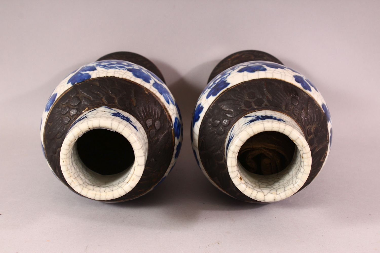 TWO 19TH CENTURY CHINESE BLUE & WHITE PORCELAIN VASES & ONE COVER, the body of the vases decorated - Image 7 of 10