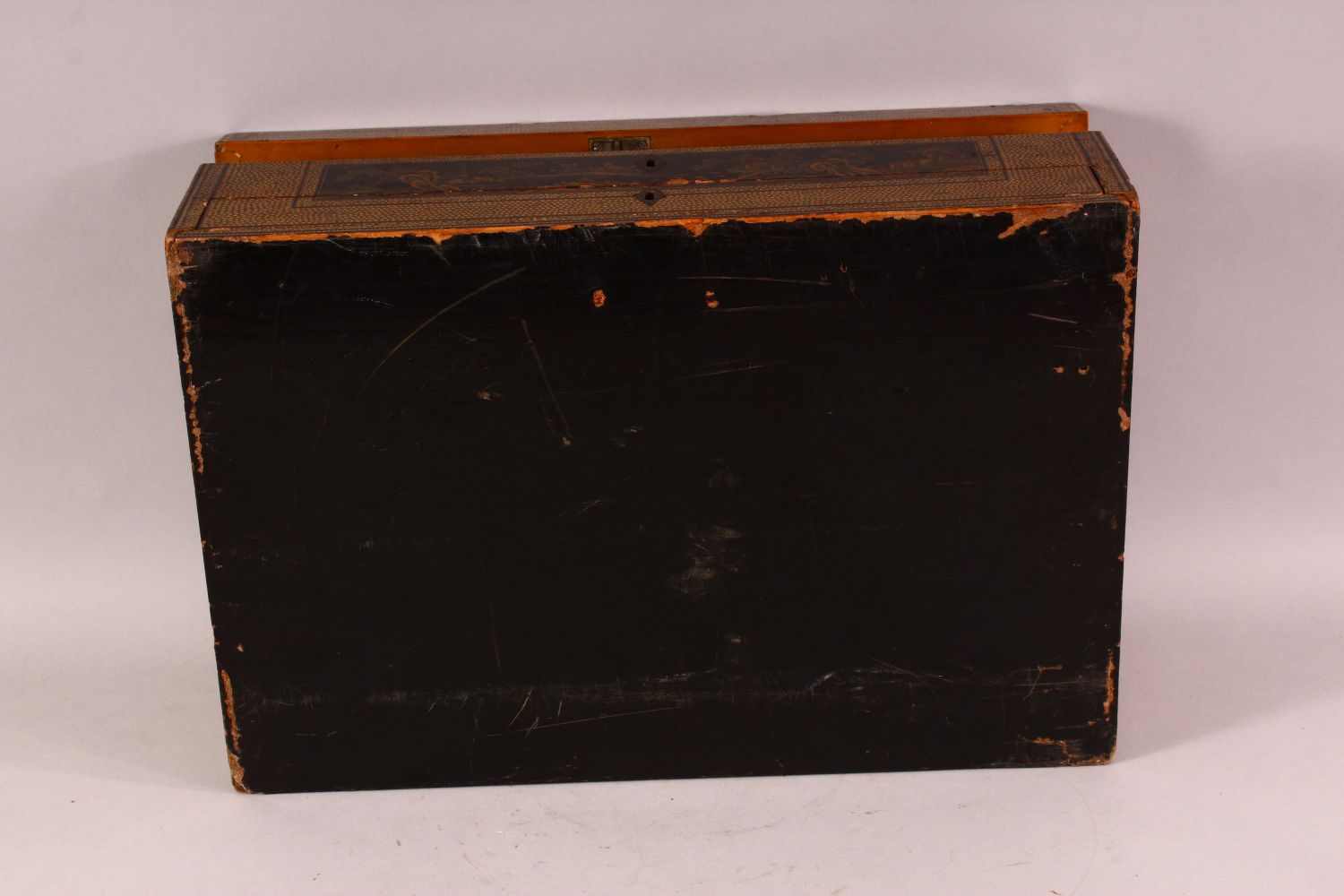 A CHINESE EXPORT LACQUER AND GILT SEWING BOX, the box containing lift out tray with nine - Image 7 of 7