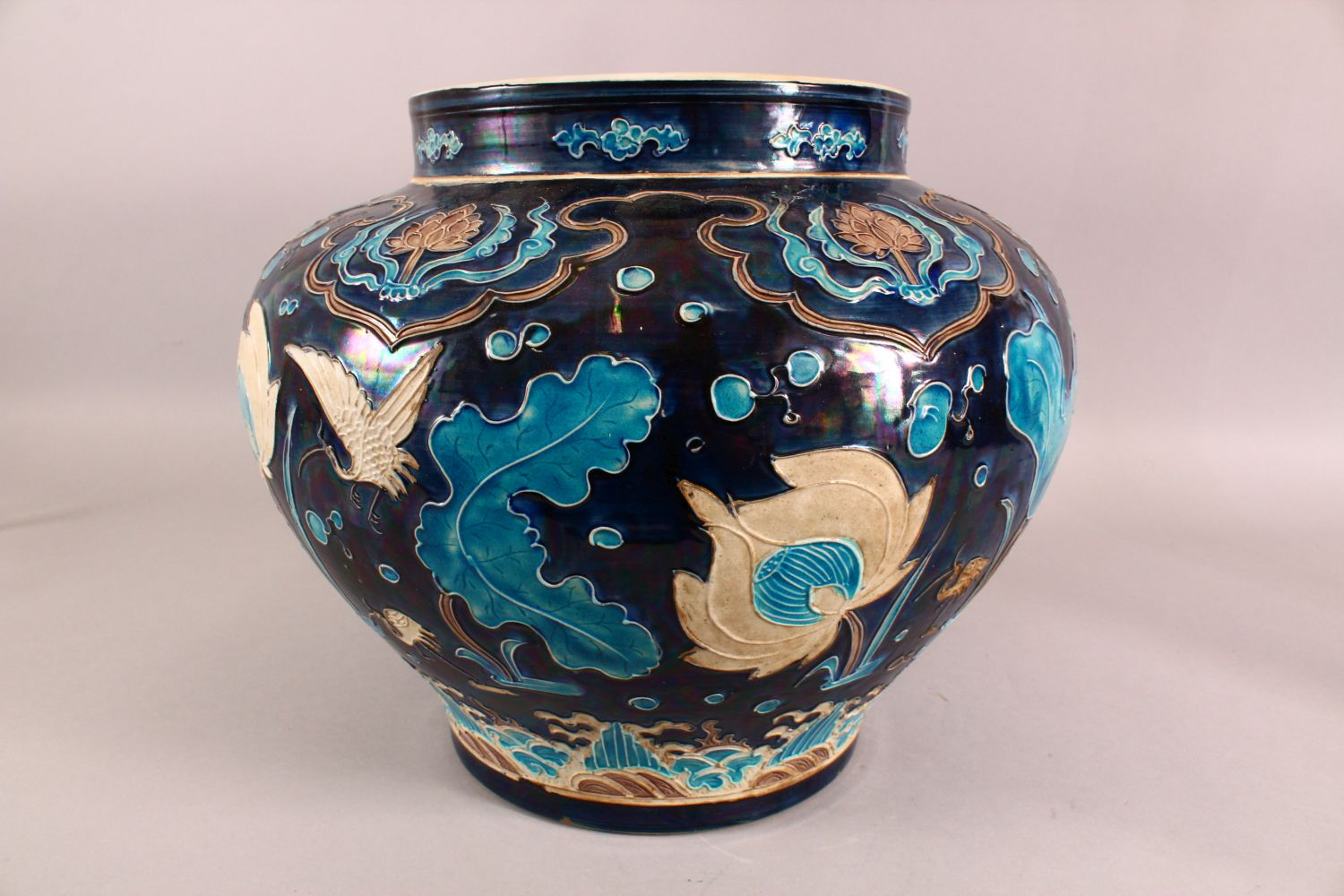 A LARGE CHINESE FAHUHA VASE, decorated with relief linework depicting lotus, lily pads and egrets - Image 3 of 7