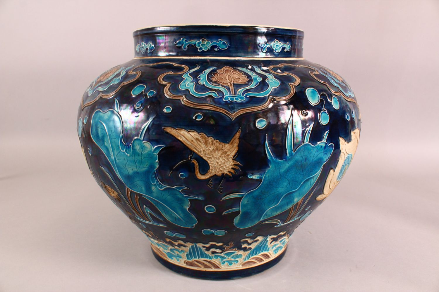 A LARGE CHINESE FAHUHA VASE, decorated with relief linework depicting lotus, lily pads and egrets - Image 2 of 7