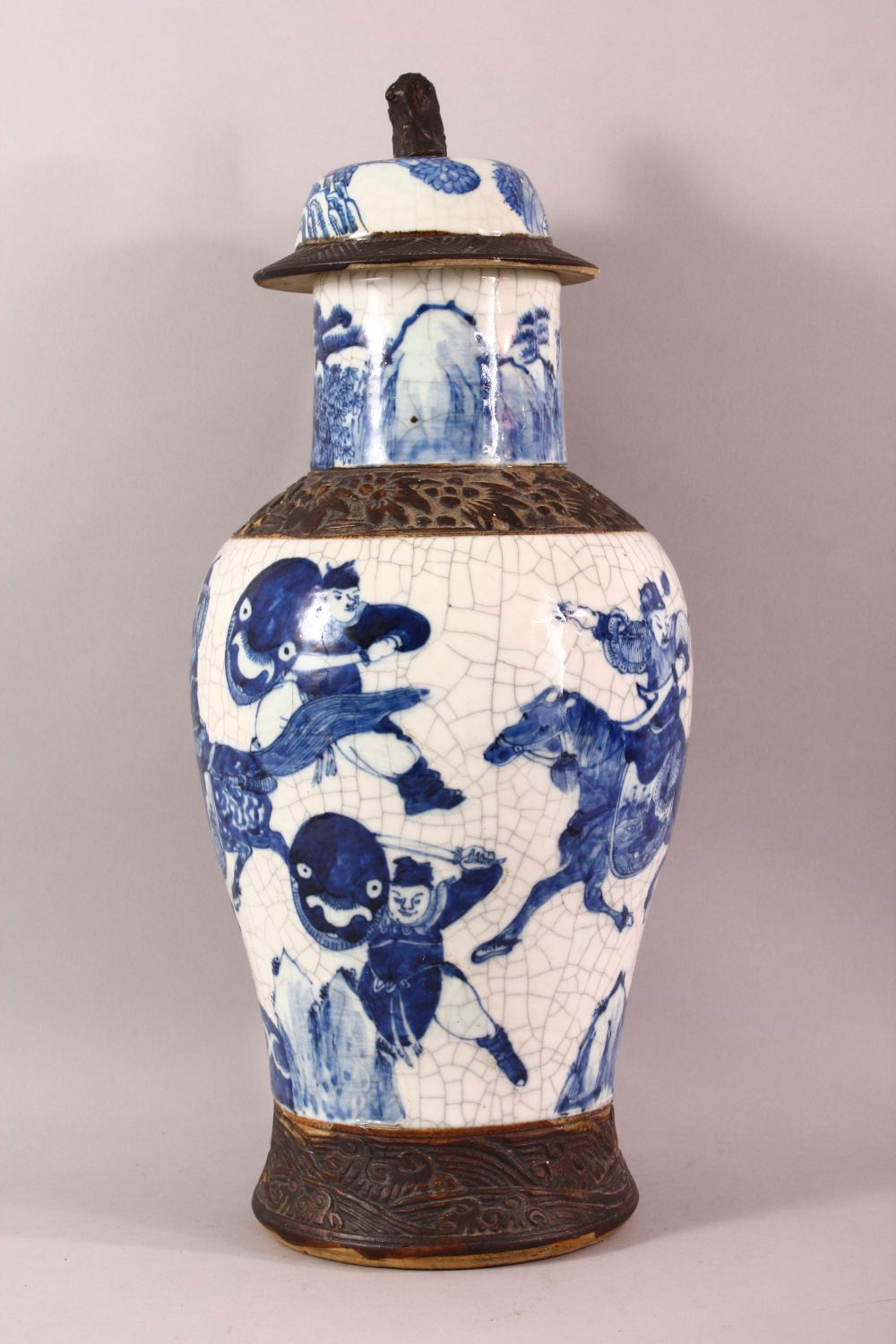 A LARGE 19TH CENTURY CHINESE BLUE & WHITE PORCELAIN VASE, decorated with scenes of warriors , with - Image 2 of 8