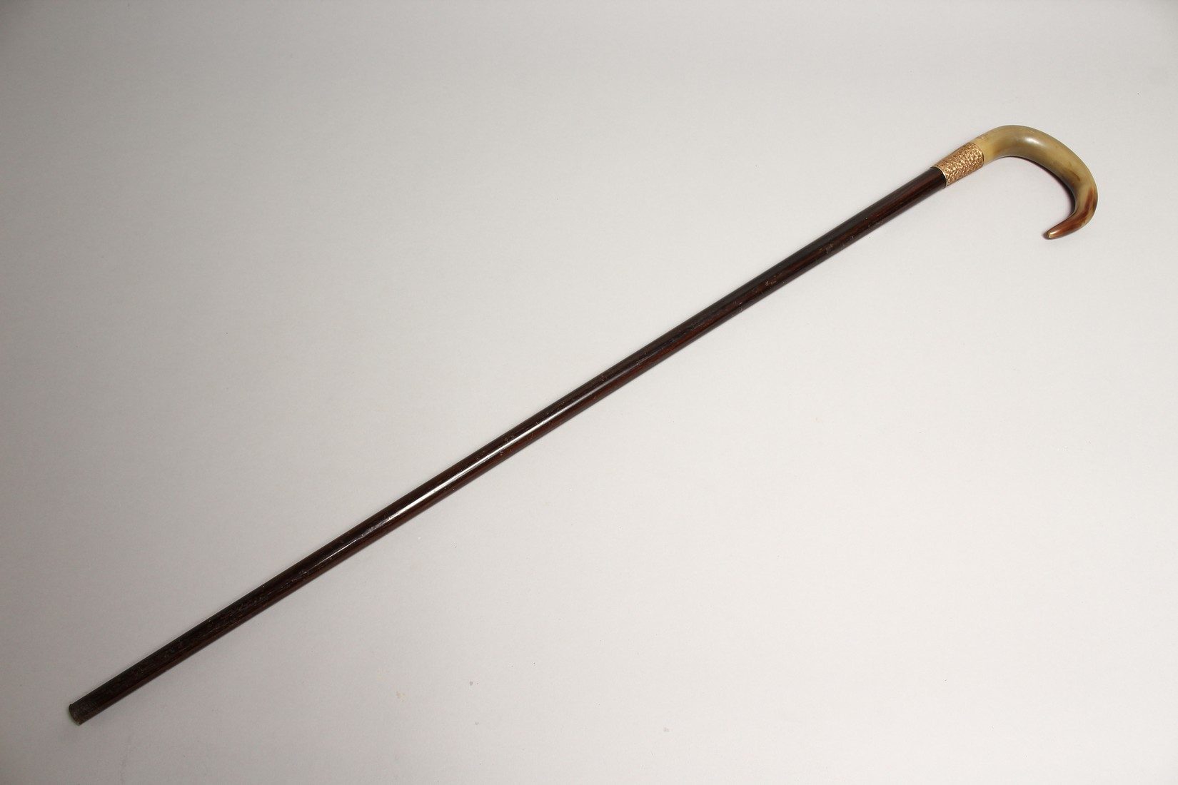 A VERY GOOD 19TH CENTURY RHINO HANDLE WALKING STICK with gilt band 2ft 10ins long - Image 11 of 11