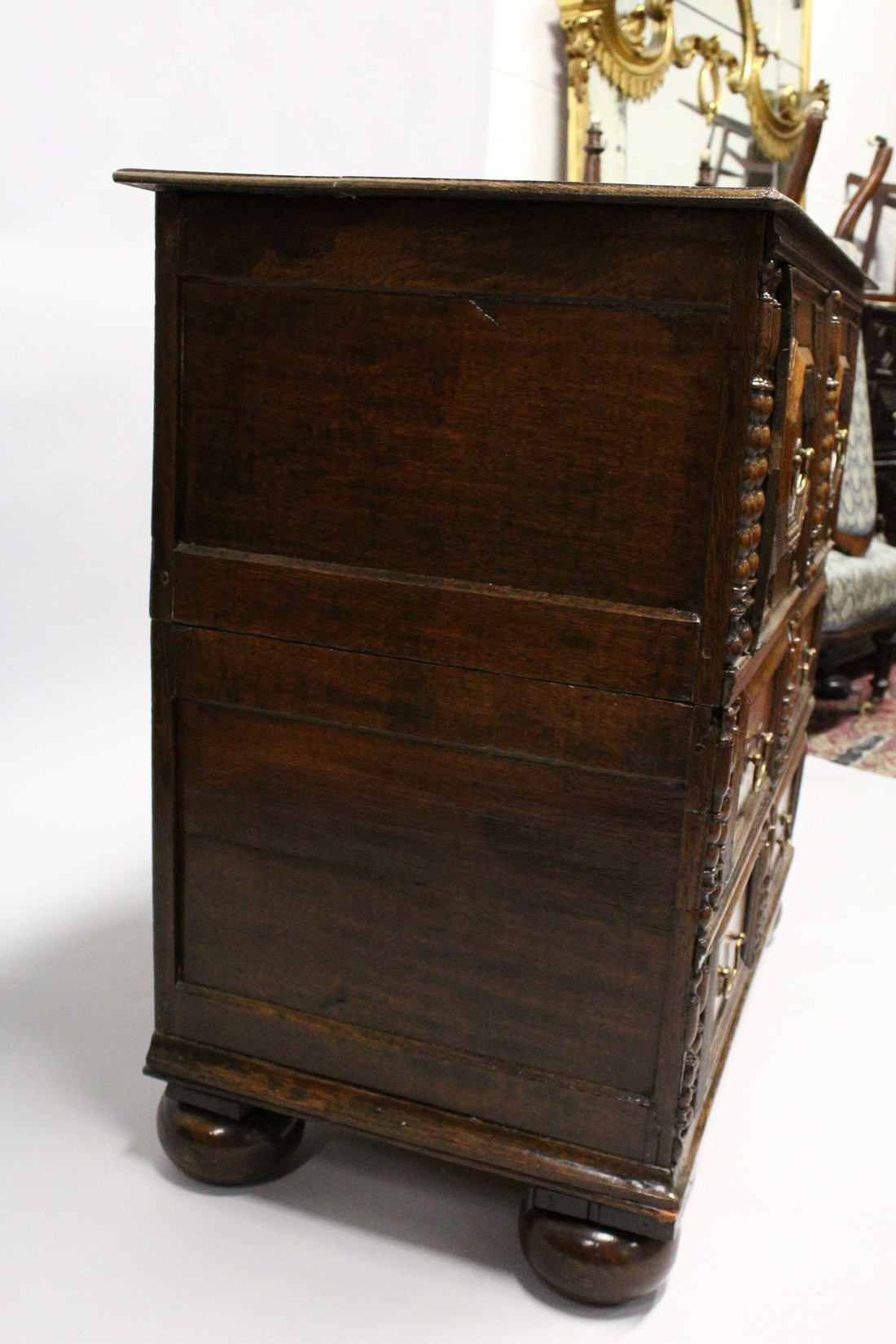 A GOOD LATE 17TH CENTURY LIGHT OAK TWO PIECE LINEN FOLD FRONT CHEST OF THREE DRAWERS, with - Image 3 of 6