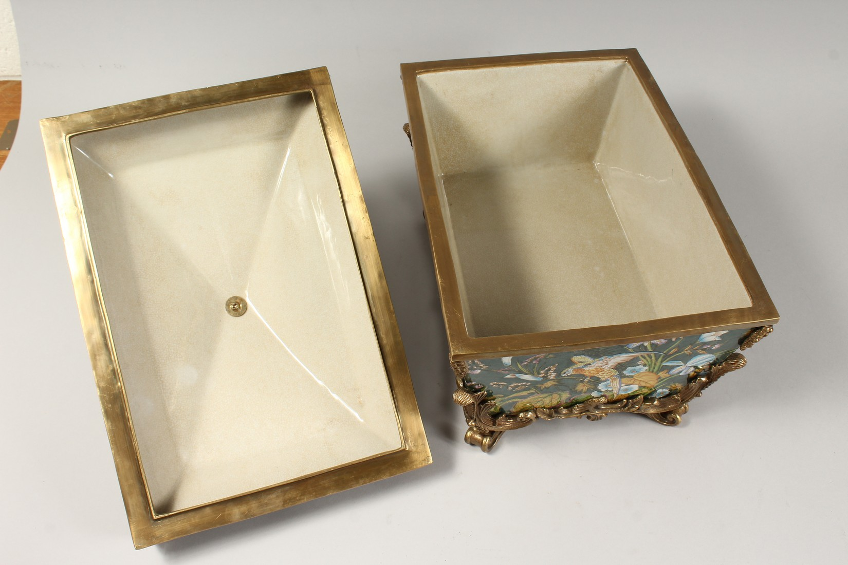 A LARGE CONTINENTAL STYLE PORCELAIN AND BRONZE MOUNTED CASKET, decorated with exotic flowers and - Image 5 of 5