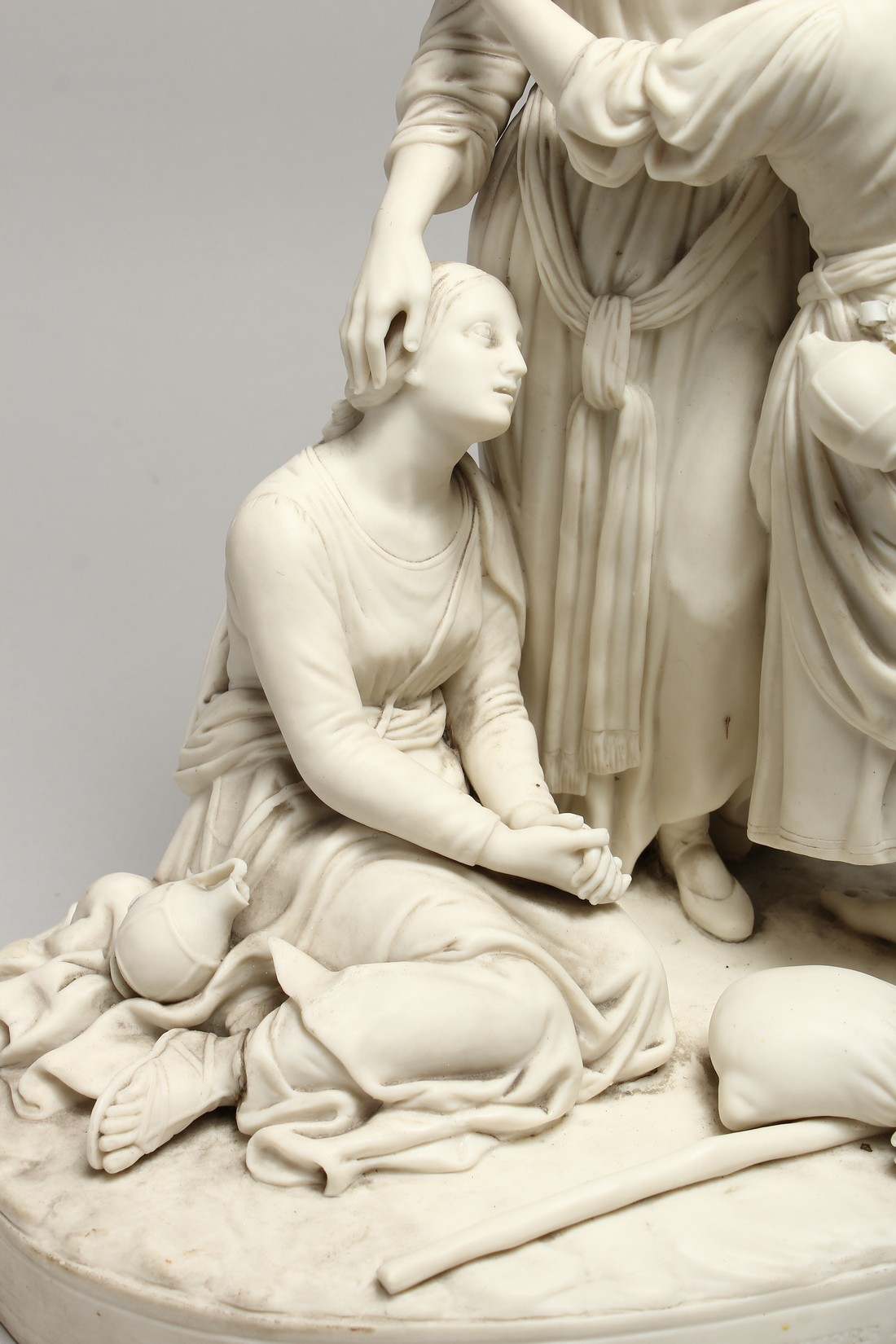 """A LATE 19TH CENTURY PARIAN WARE GROUP """"NAOMI AND HER DAUGHTER IN LAW"""". 13 ins high. - Image 3 of 8"""
