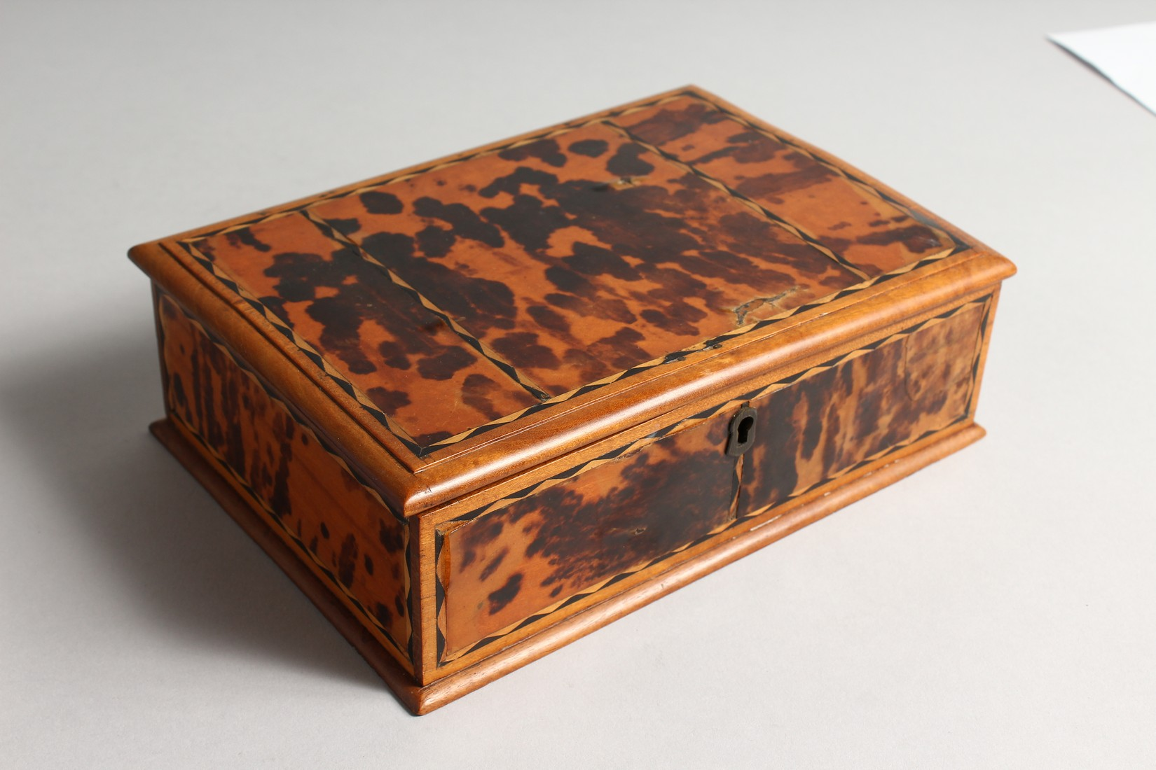 A TORTOISESHELL RECTANGULAR BOX AND COVER 8.5ins long. - Image 2 of 4