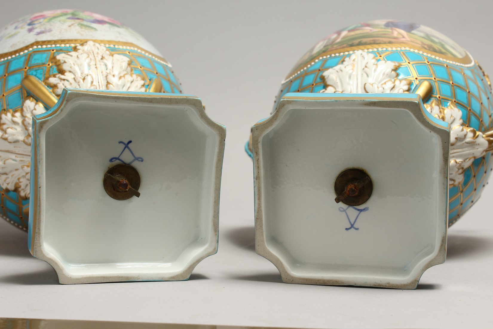 A SUPERB LARGE PAIR OF SEVRES TWO HANDLED URN SHAPED VASES AND COVERS, blue ground edged in gilt and - Image 10 of 10