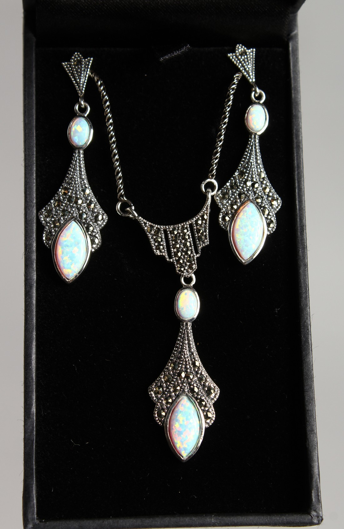 A SILVER MARCASITE AND ONYX DECO STYLE NECKLACE
