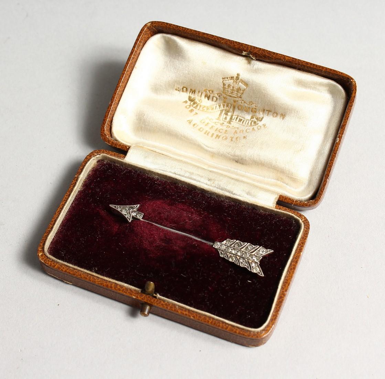 A DIAMOND ARROW