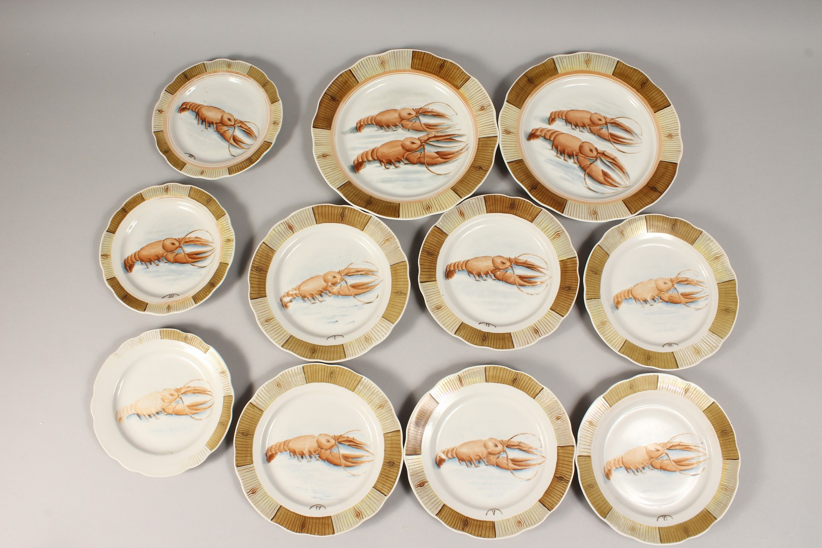 A RUSSIAN PORCELAIN SERVICE decorated with shell fish, comprising a pair of plates, 9.5ins diameter, - Image 4 of 6