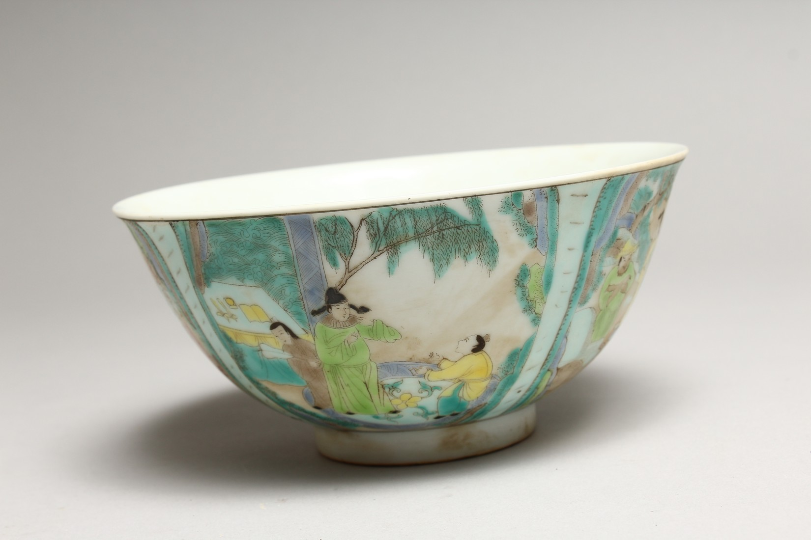 A CHINESE FAMILLE VERTE PORCELAIN BOWL, painted with figures in a landscape. 6.25ins diameter. - Image 3 of 6