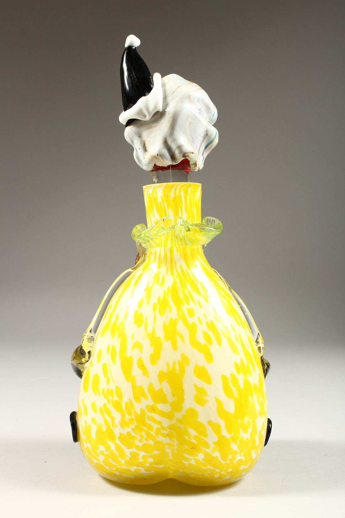 A MURANO MOTTLED YELLOW CLOWN BOTTLE AND STOPPER. 12ins high. - Image 3 of 9