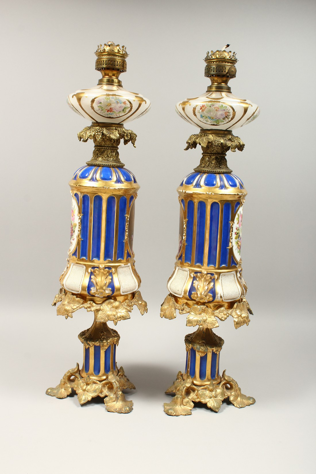 A SUPERB PAIR OF 19TH CENTURY FRENCH PORCELAIN AND GILT BRONZE LAMPS ON STANDS, painted with - Image 8 of 24