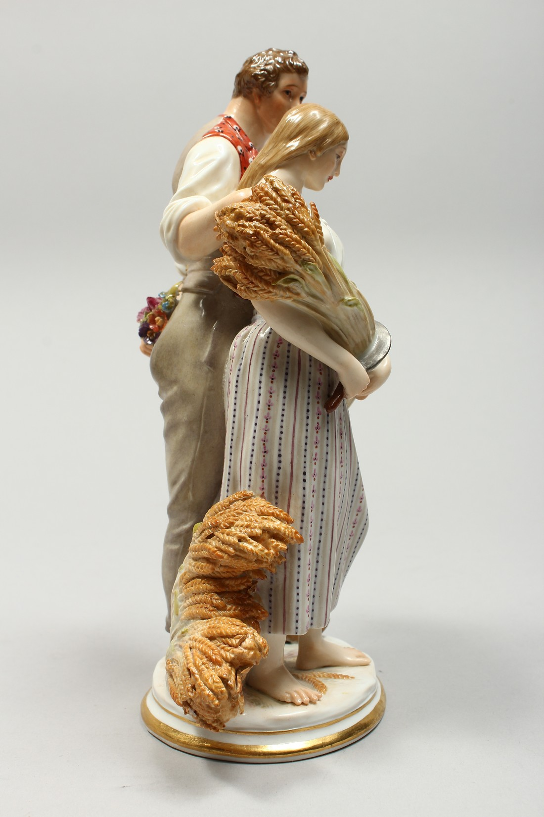A GOOD MEISSEN PORCELAIN GROUP DEPICTING HARVEST, a pair of standing figures, a man beside a woman - Image 5 of 11