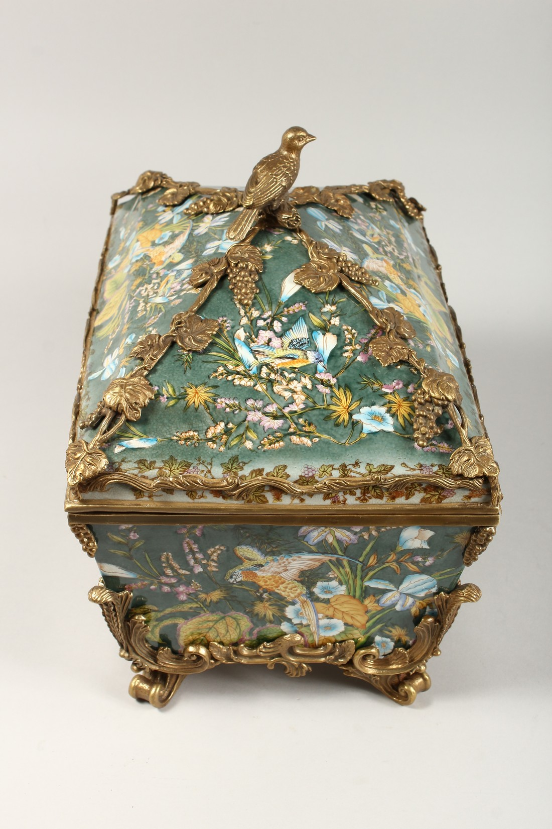 A LARGE CONTINENTAL STYLE PORCELAIN AND BRONZE MOUNTED CASKET, decorated with exotic flowers and - Image 2 of 5