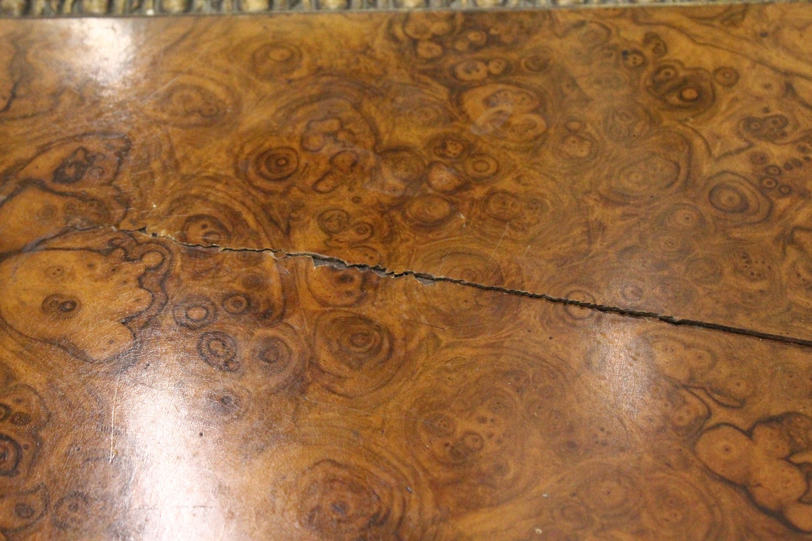 JOHN BROADWOOD & SONS, A good late 19th Centruy figured walnut Grand Piano, on turned and tapering - Image 12 of 19
