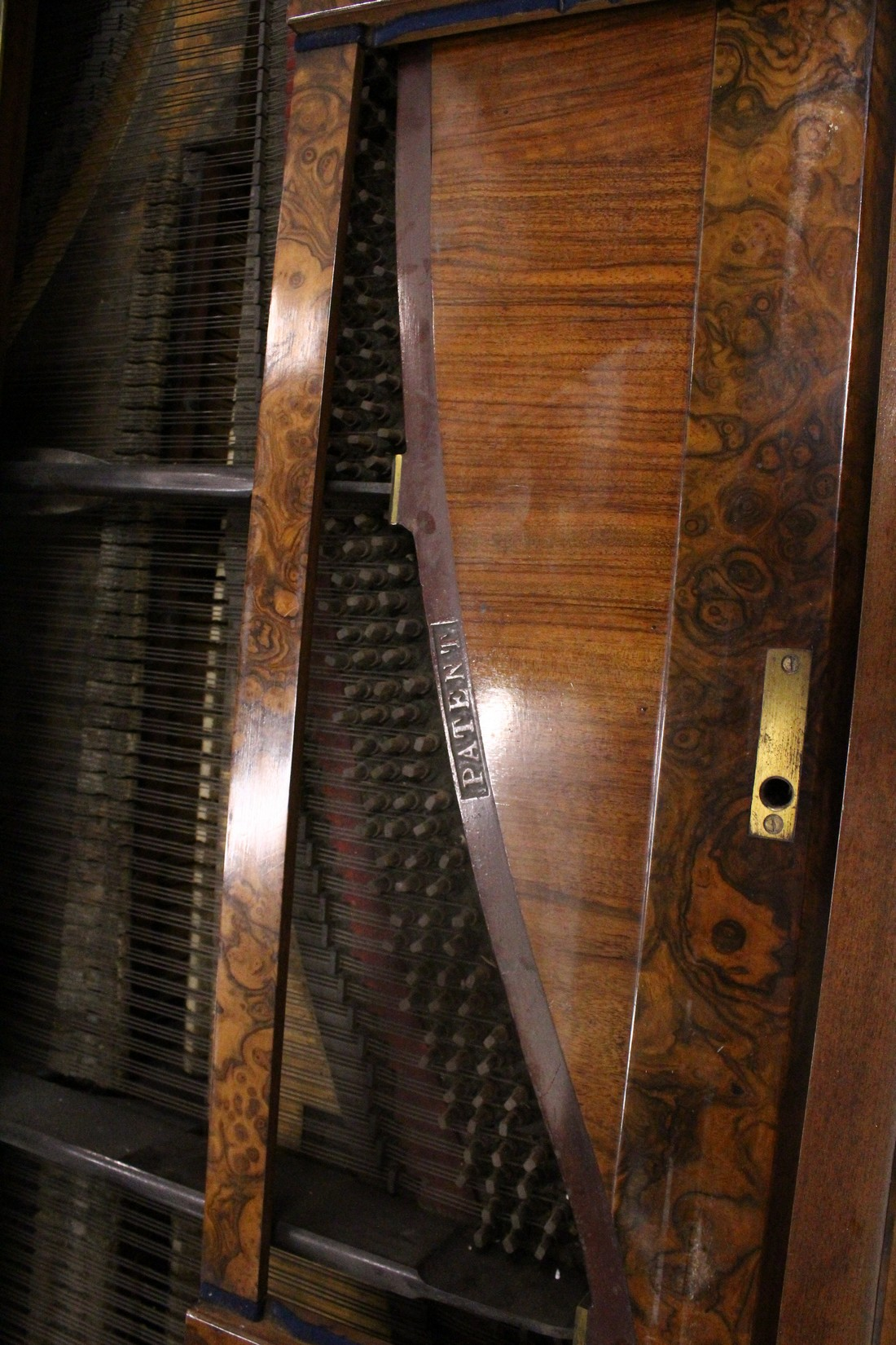 JOHN BROADWOOD & SONS, A good late 19th Centruy figured walnut Grand Piano, on turned and tapering - Image 15 of 19