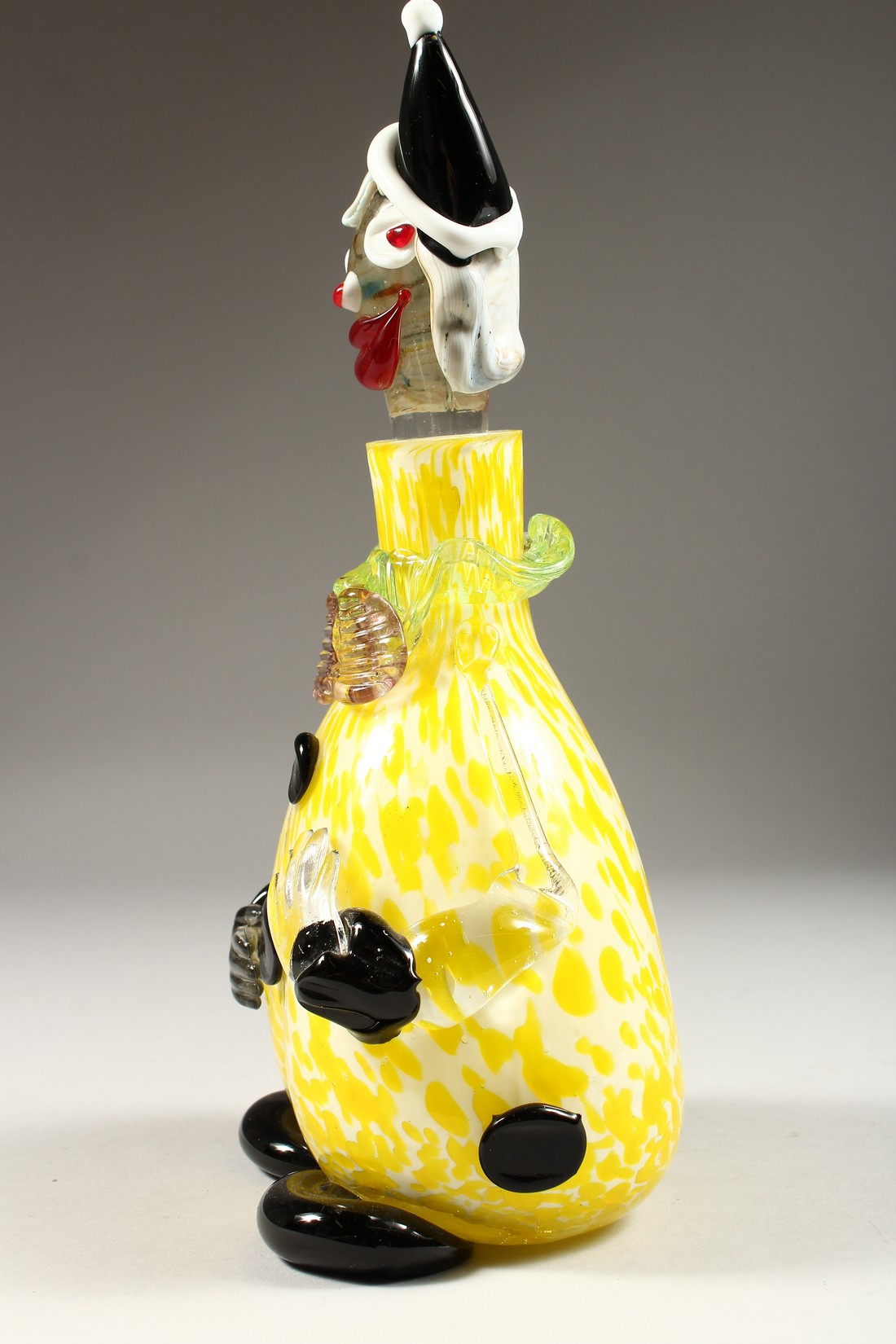 A MURANO MOTTLED YELLOW CLOWN BOTTLE AND STOPPER. 12ins high. - Image 4 of 9