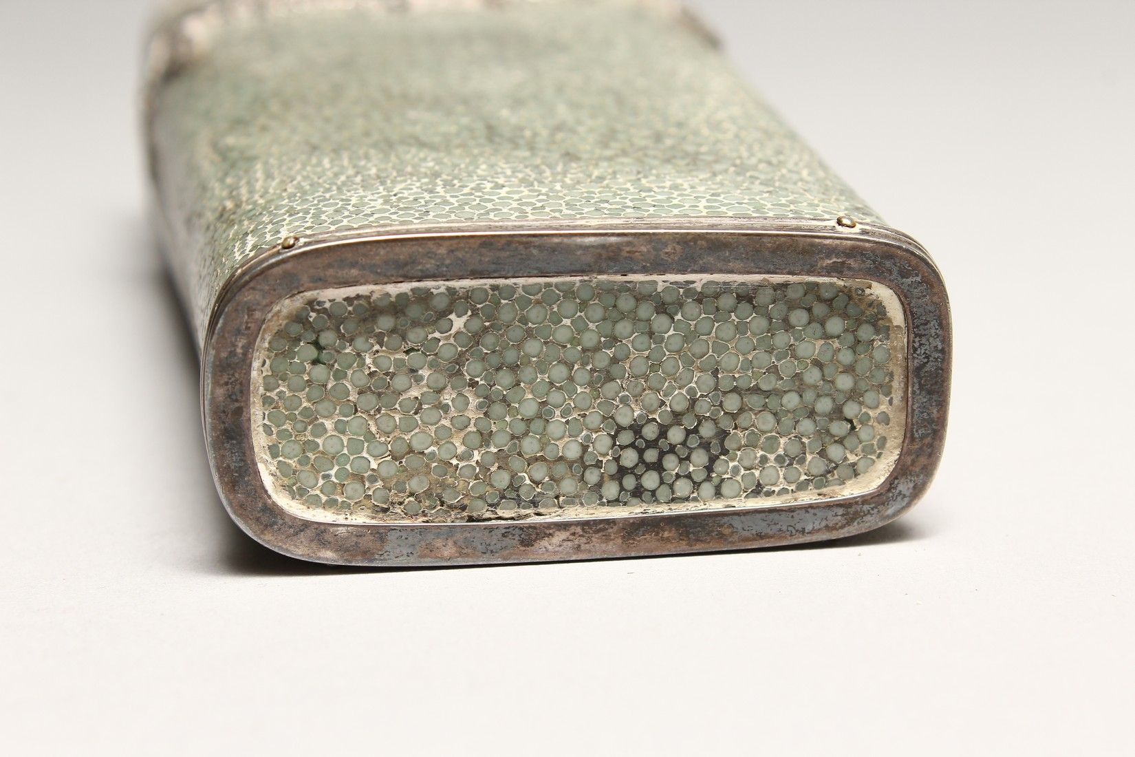 A GEORGIAN WHISKY FLASK in a shagreen case, with silver garlands 6.5ins long (some damage). - Image 7 of 8