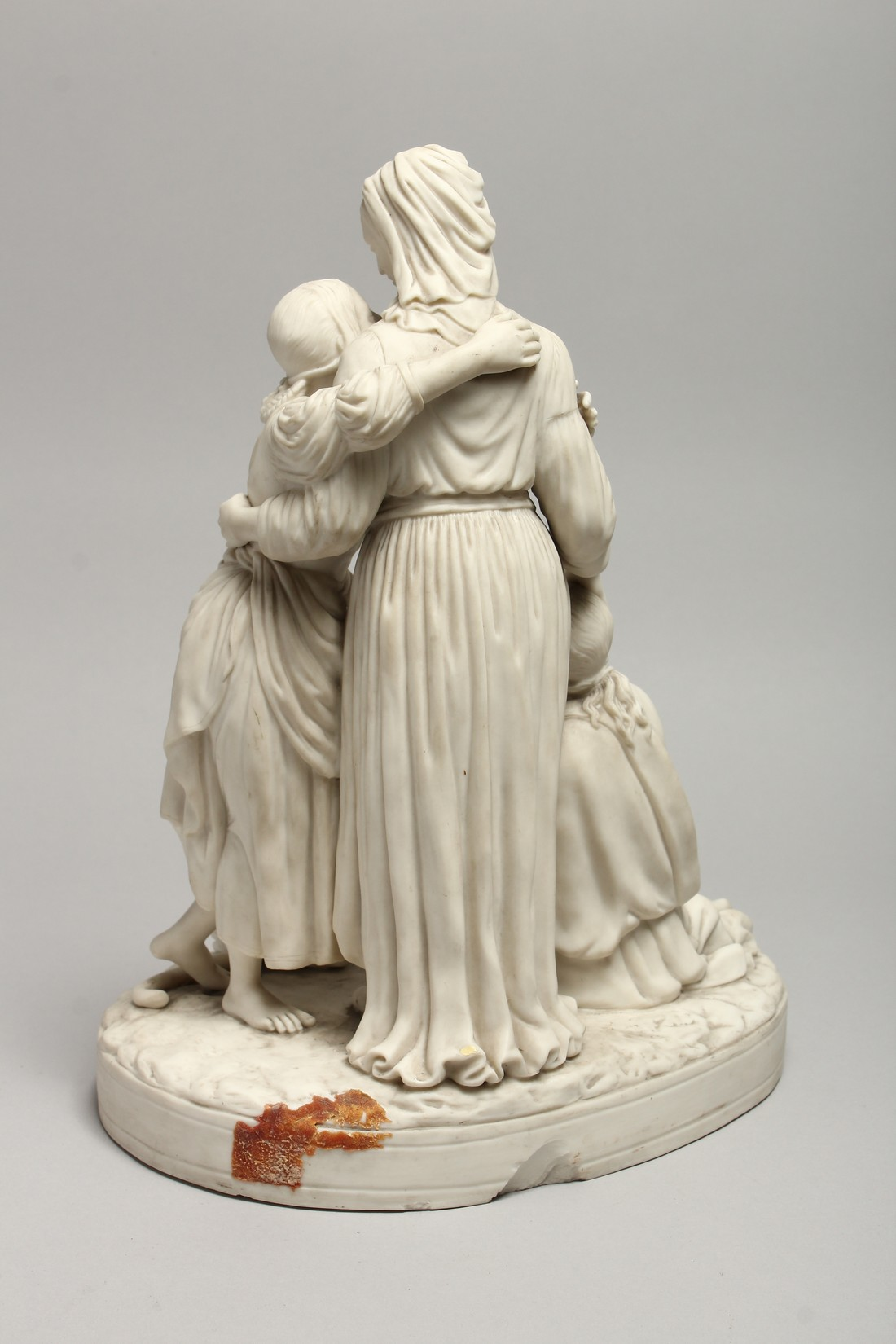 """A LATE 19TH CENTURY PARIAN WARE GROUP """"NAOMI AND HER DAUGHTER IN LAW"""". 13 ins high. - Image 6 of 8"""