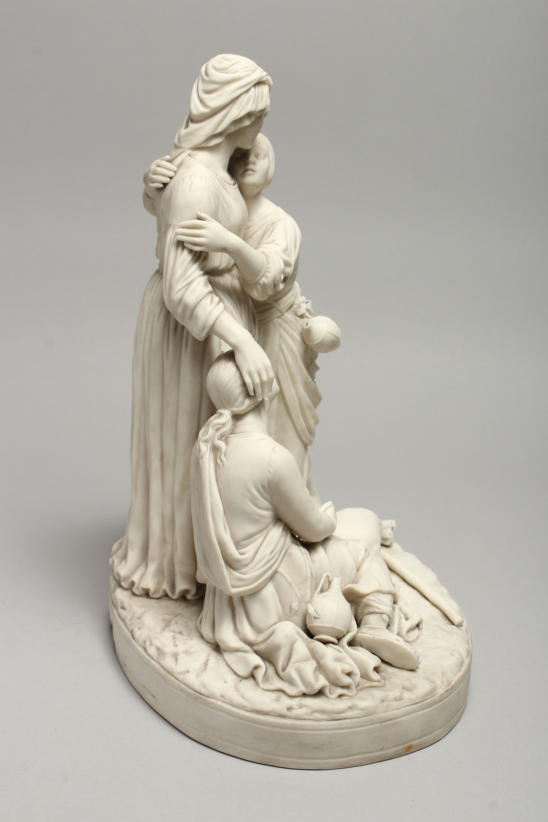 """A LATE 19TH CENTURY PARIAN WARE GROUP """"NAOMI AND HER DAUGHTER IN LAW"""". 13 ins high. - Image 5 of 8"""