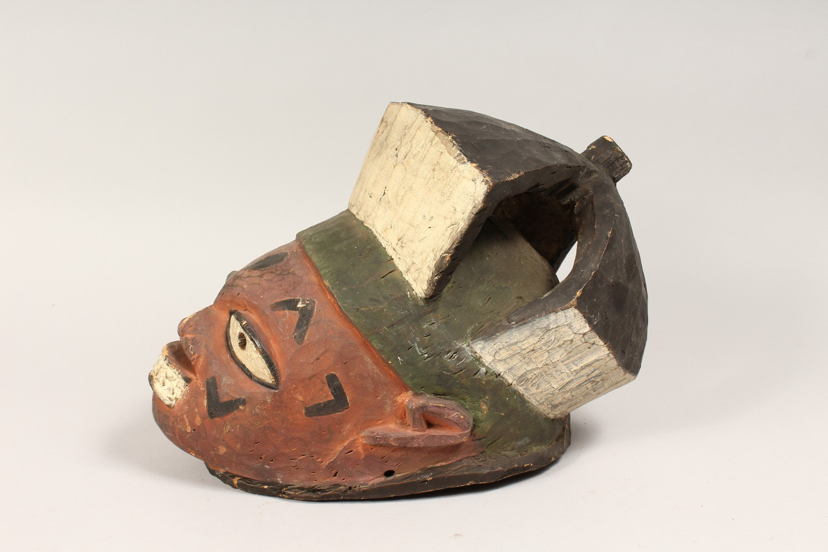 A PAINTED TRIBAL MASK 13ins long - Image 4 of 5
