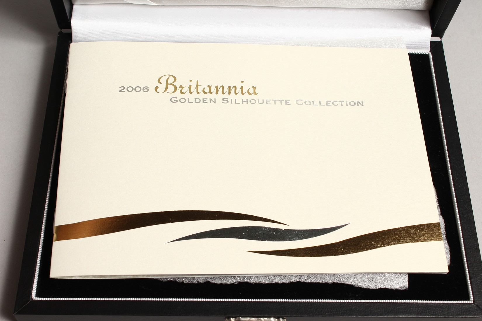 THE 2006 BRITAINNIA SILHOUETTE COLLECTION, silver and gold proof set, no. 0191 of 3000 issued with - Image 2 of 3