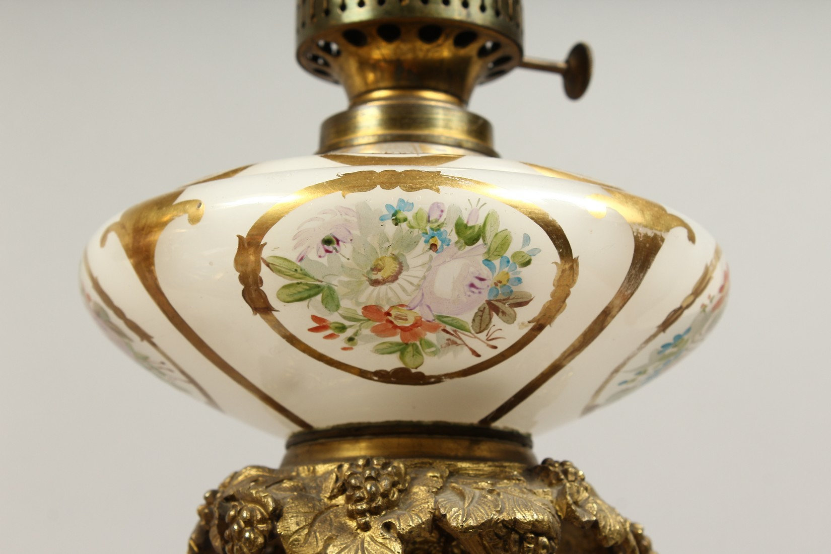 A SUPERB PAIR OF 19TH CENTURY FRENCH PORCELAIN AND GILT BRONZE LAMPS ON STANDS, painted with - Image 5 of 24