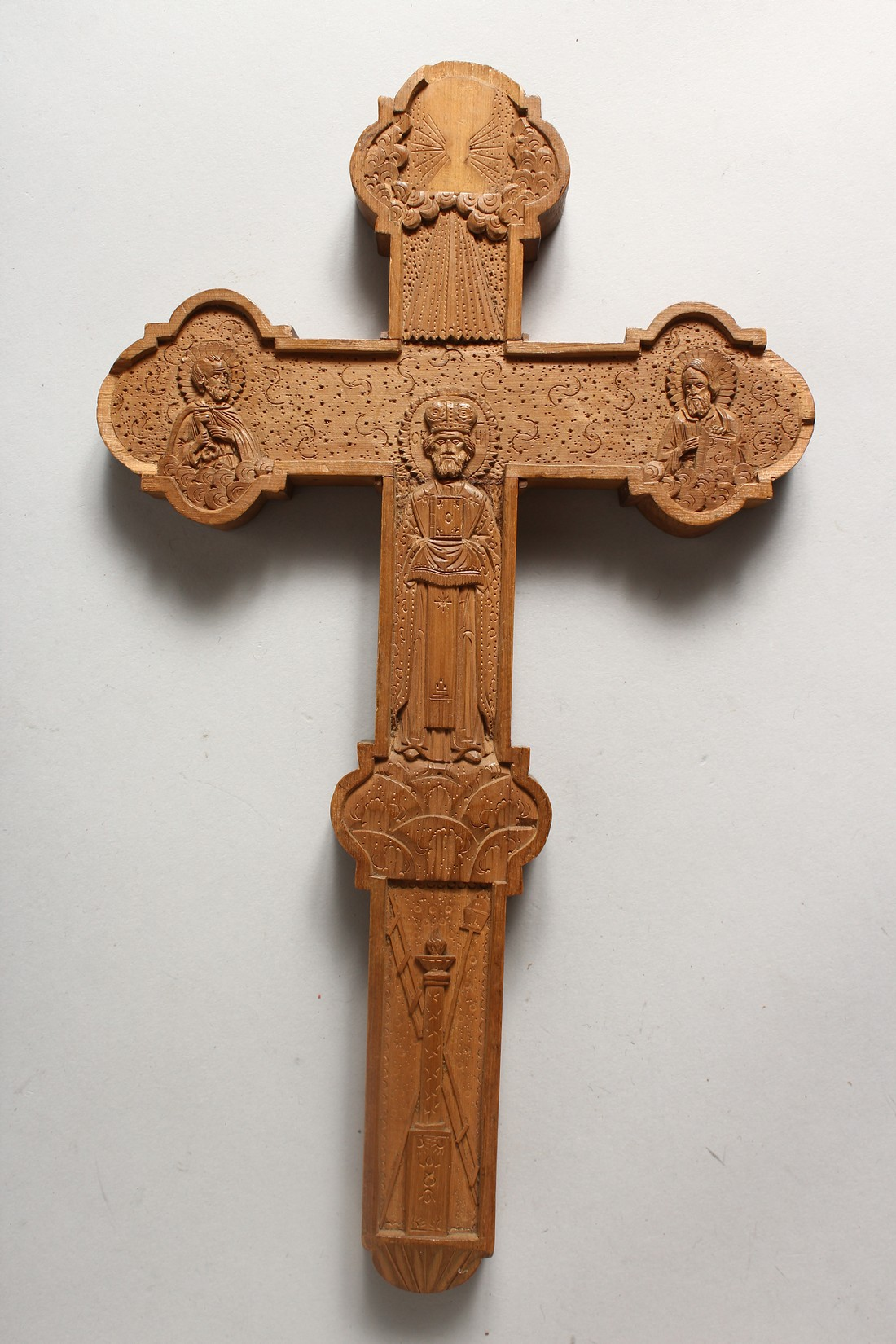 A 19TH CENTURY ORTHODOX CARVED SANDLEWOOD CRUIFIX 12.5ins high x 7.25ins wide - Image 2 of 5