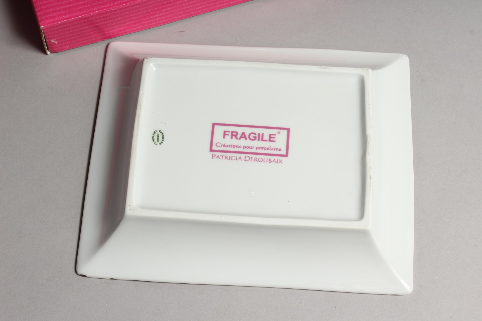 A PATRICIA DEROUBAIX LEMOGE LEOPARD ASH TRAY in a box. - Image 3 of 3