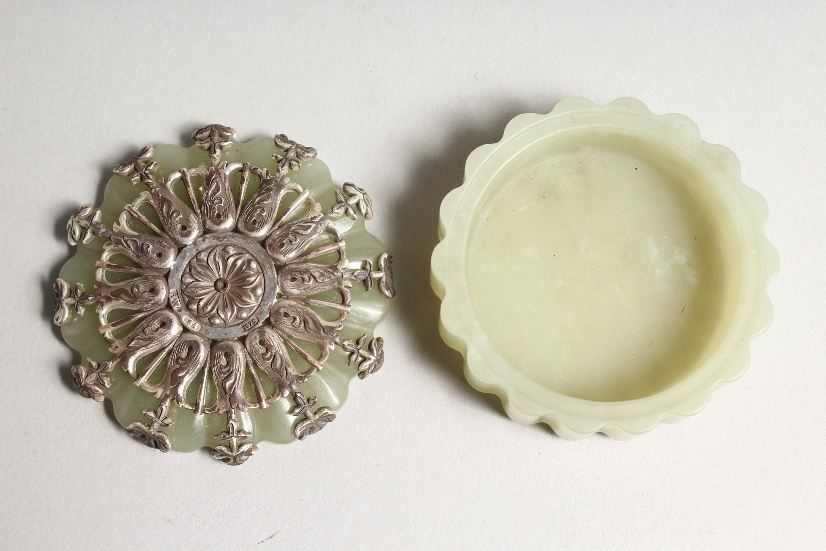 A GOOD JADE AND SILVER TOP BOX AND COVER the top stamped .925 and W. W. 84 2ins diameter. - Image 3 of 4