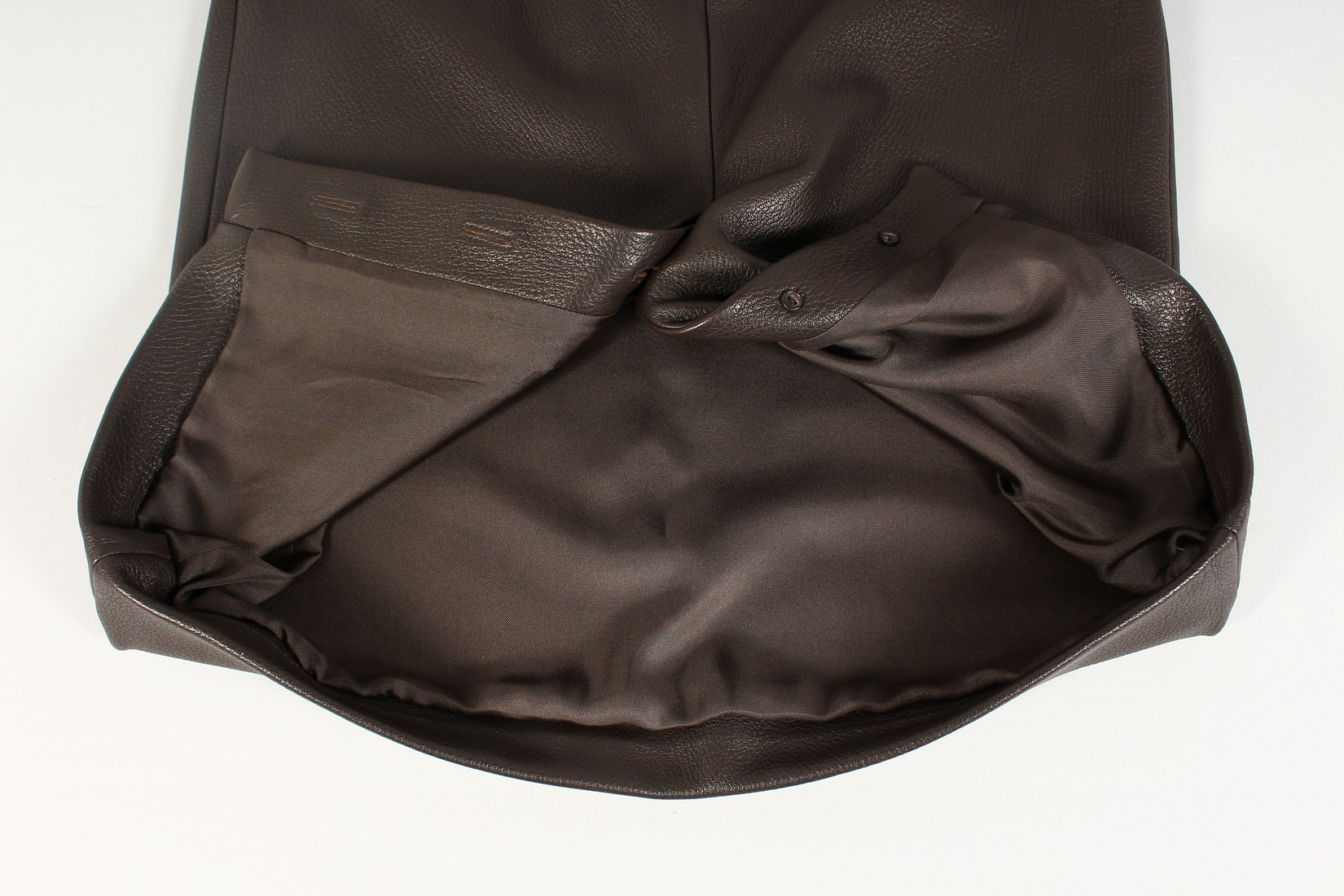 A HERMES LEATHER SKIRT, never worn. - Image 5 of 6