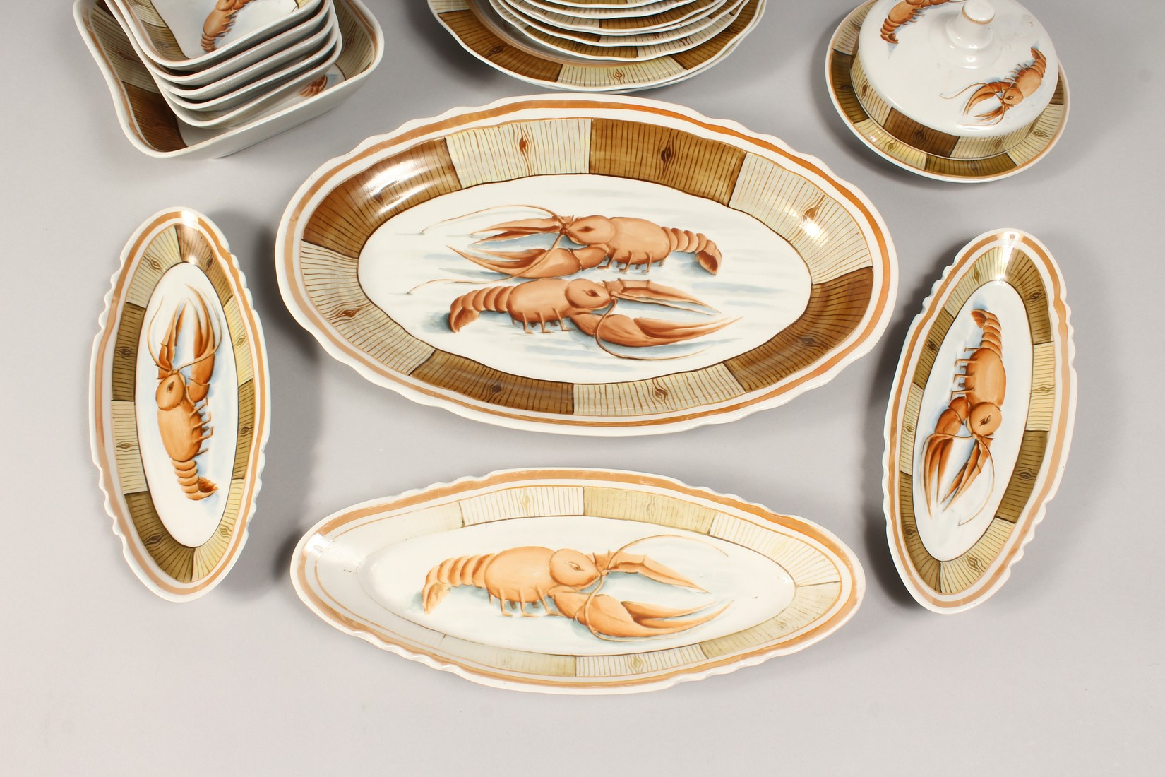 A RUSSIAN PORCELAIN SERVICE decorated with shell fish, comprising a pair of plates, 9.5ins diameter, - Image 2 of 6