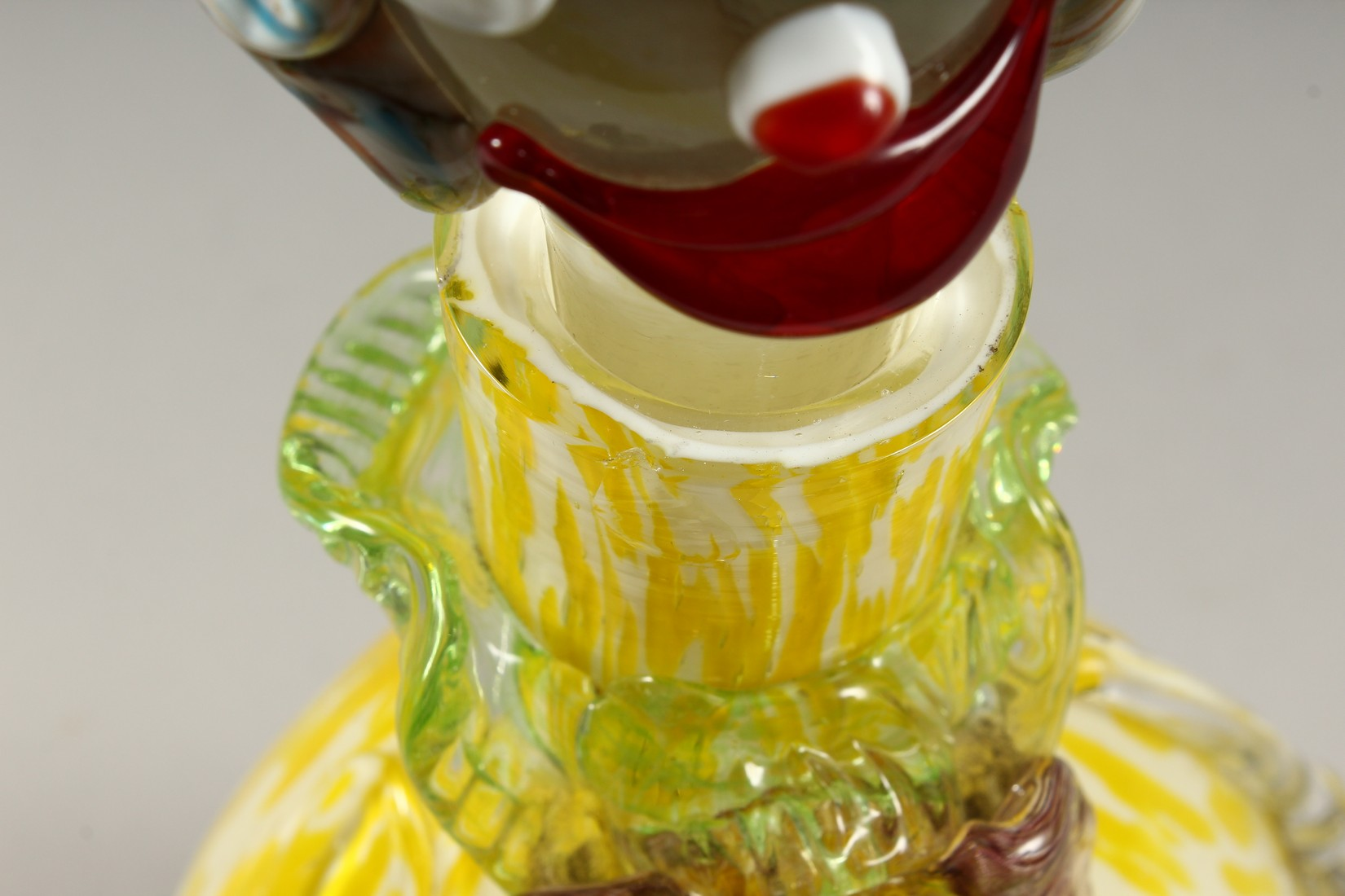A MURANO MOTTLED YELLOW CLOWN BOTTLE AND STOPPER. 12ins high. - Image 6 of 9