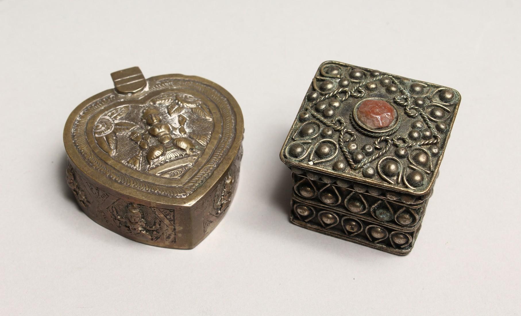 AN INDIAN SHAPED BOX AND A FILIGREE BOX (2).