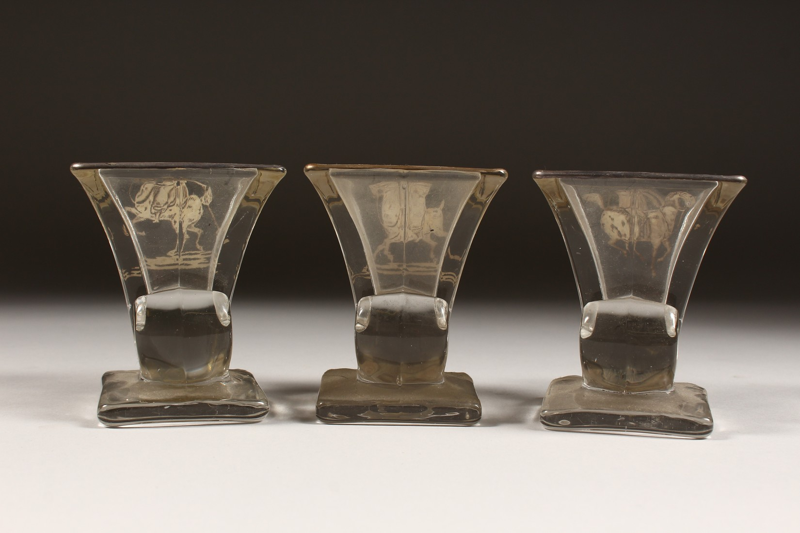 A SET OF THREE SILVER OVERLAY MOULDED GLASS SMALL VASES, decorated with polo players on horseback. - Image 4 of 5